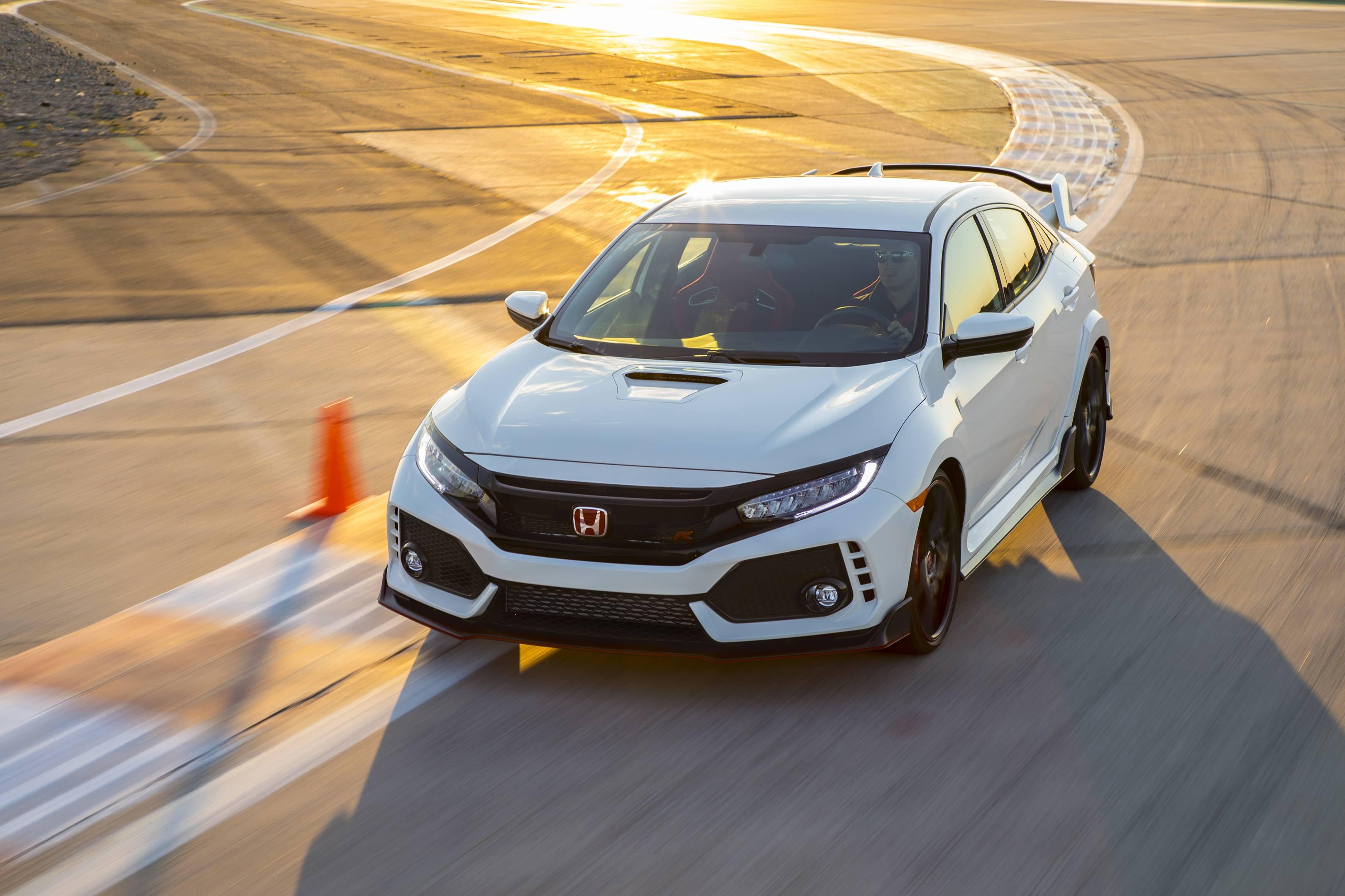 2017 Honda Civic Type R banking right