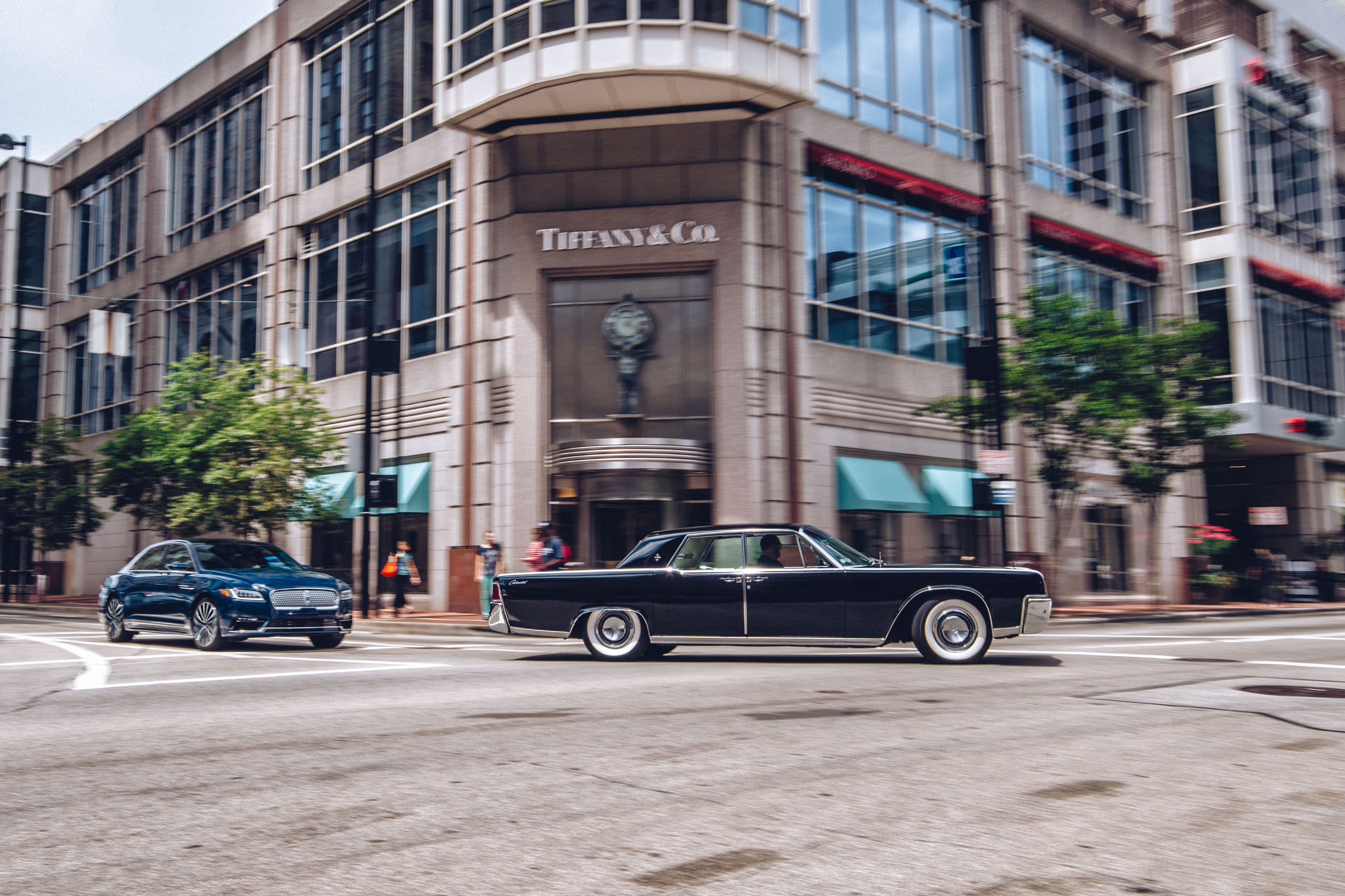 The Continental actually got longer in '64, growing three inches to more than 18 feet (it grew again in '66 and '69). The '64 is more than a foot longer than the new model.