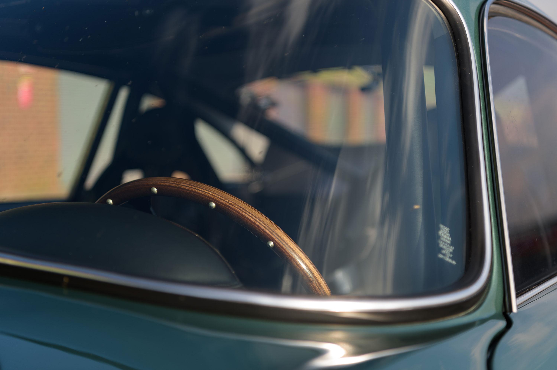 1959 Aston Martin DB4 GT steering wheel