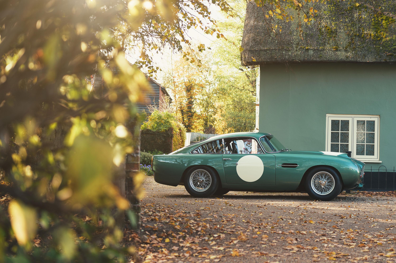 Aston Martin DB4 profile