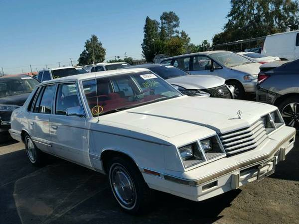 1983 Dodge 600 sedan front