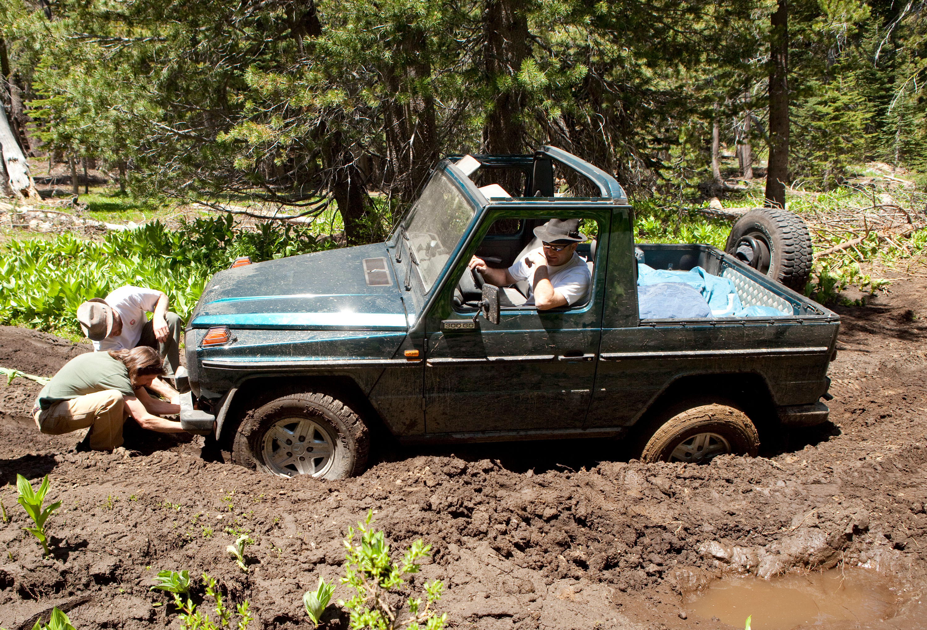 A 1980 300GD gets nicely high-centered in the mud in Eldorado National Forest, California, in 2009.