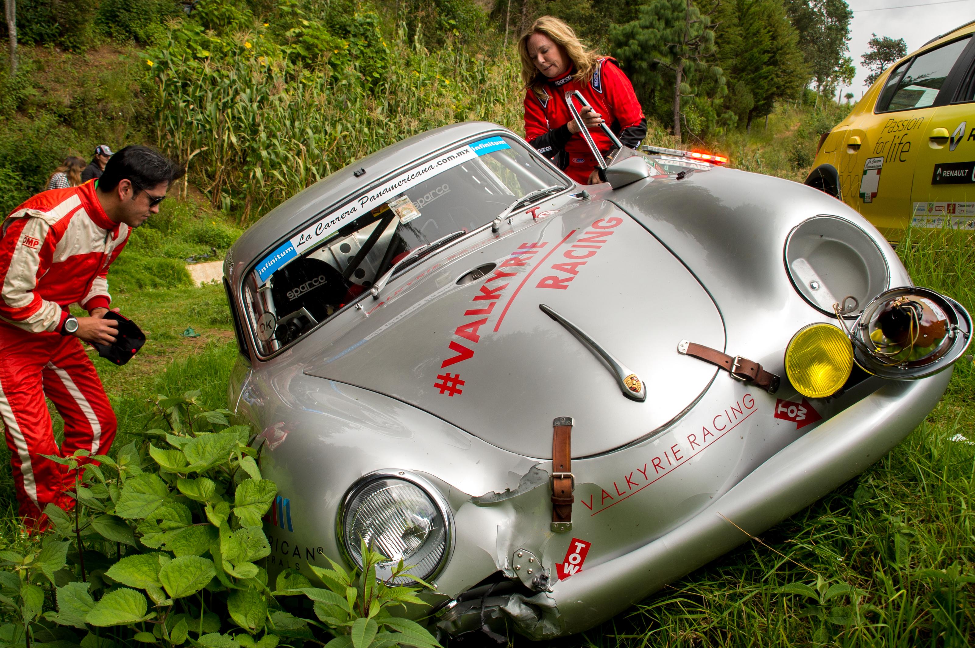 Renée Brinkerhoff and navigator Roberto Mendoza survey damage to the 356 after a crash in La Carrera Panamericana 2015.
