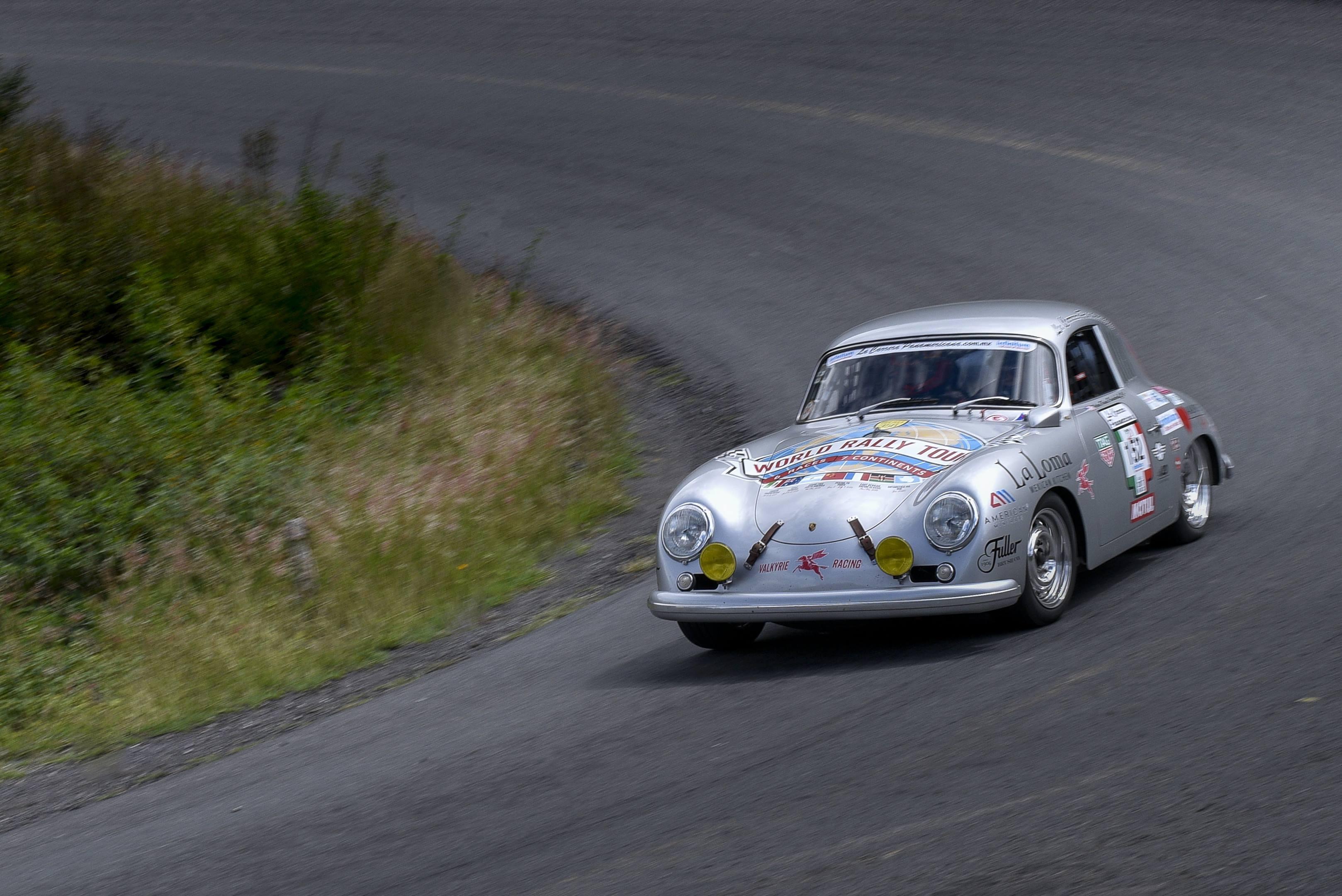 Renée Brinkerhoff hurls her 1956 Porsche 356 into a curve in La Carrera Panamericana 2017.