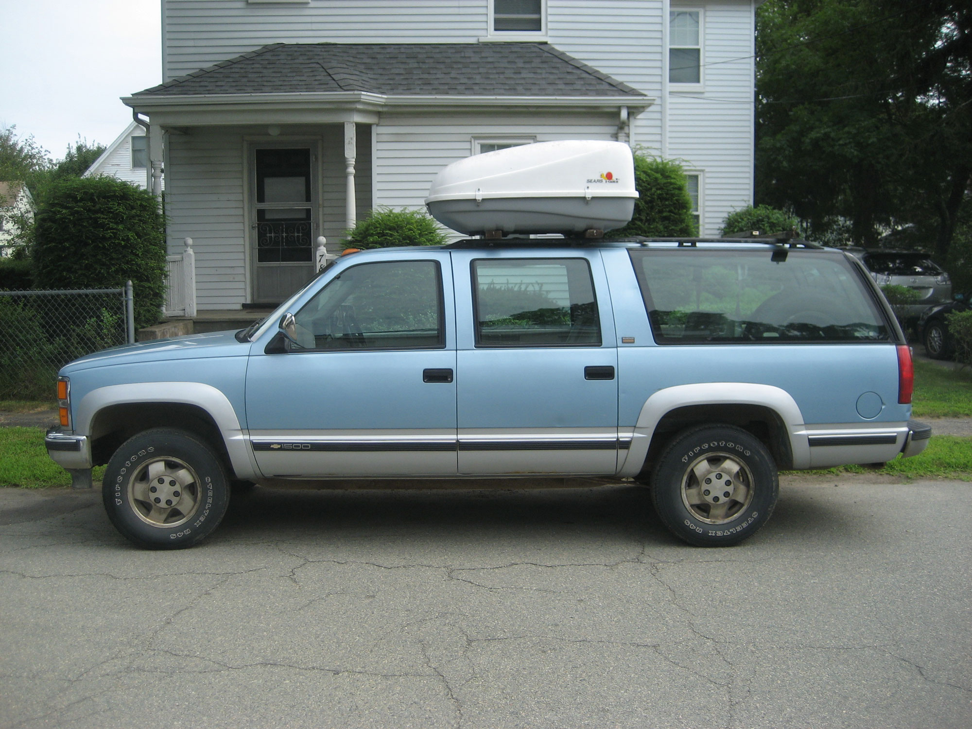 This eighth-gen 'Burb—the one that ate its transfer case—hung around for many years.