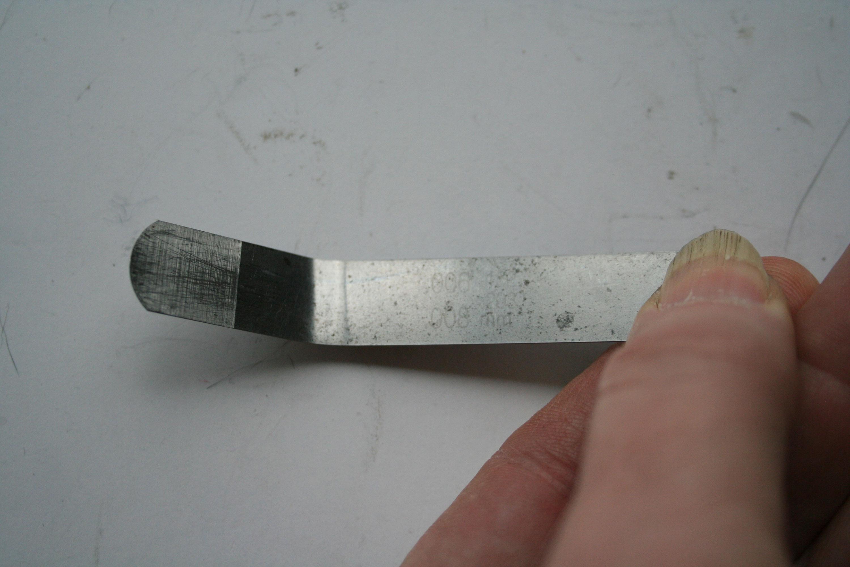 A go/no-go feeler gauge makes valve adjustment easy.