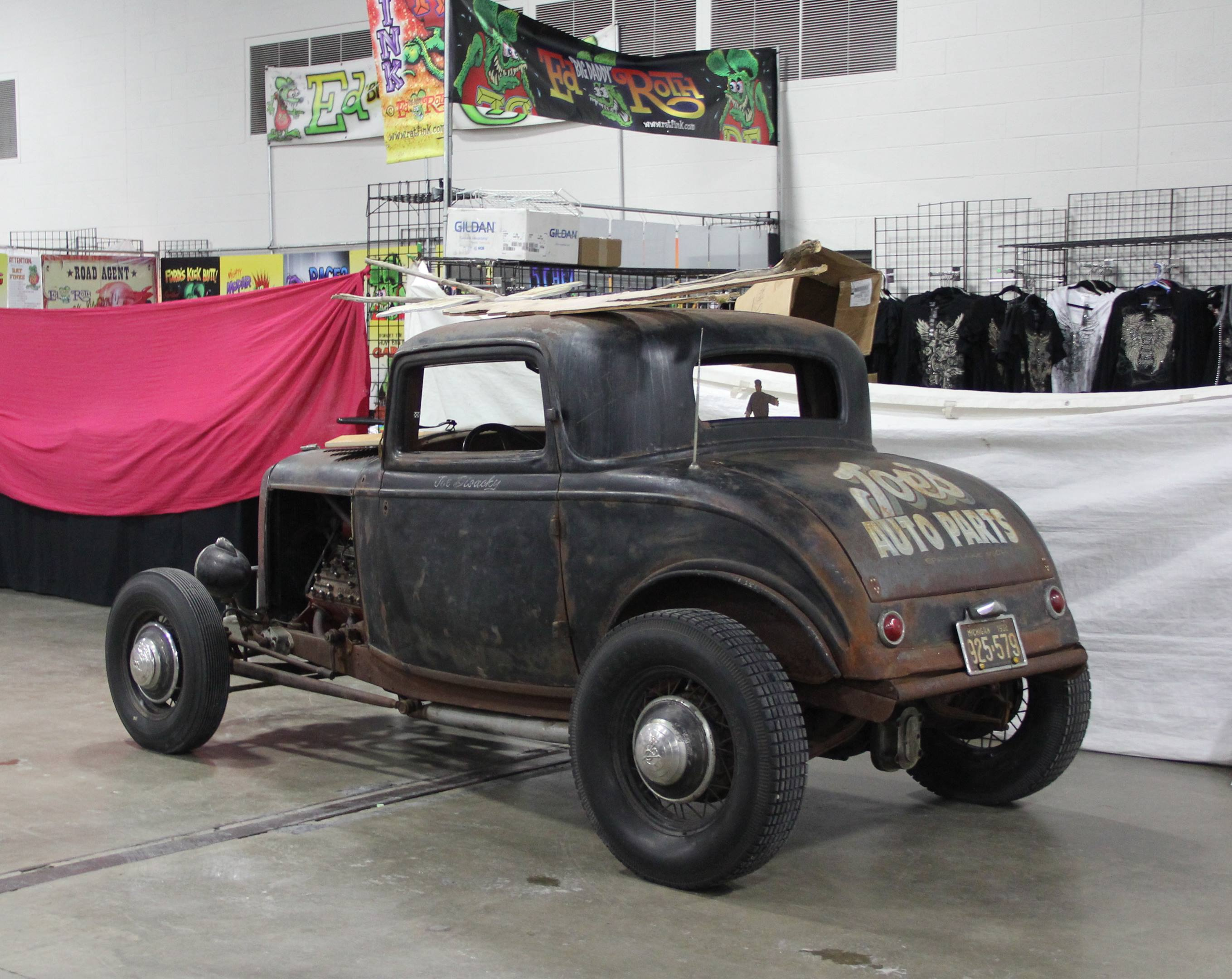 rear 3/4 1932 Ford Deuce coupe Joes Auto Parts