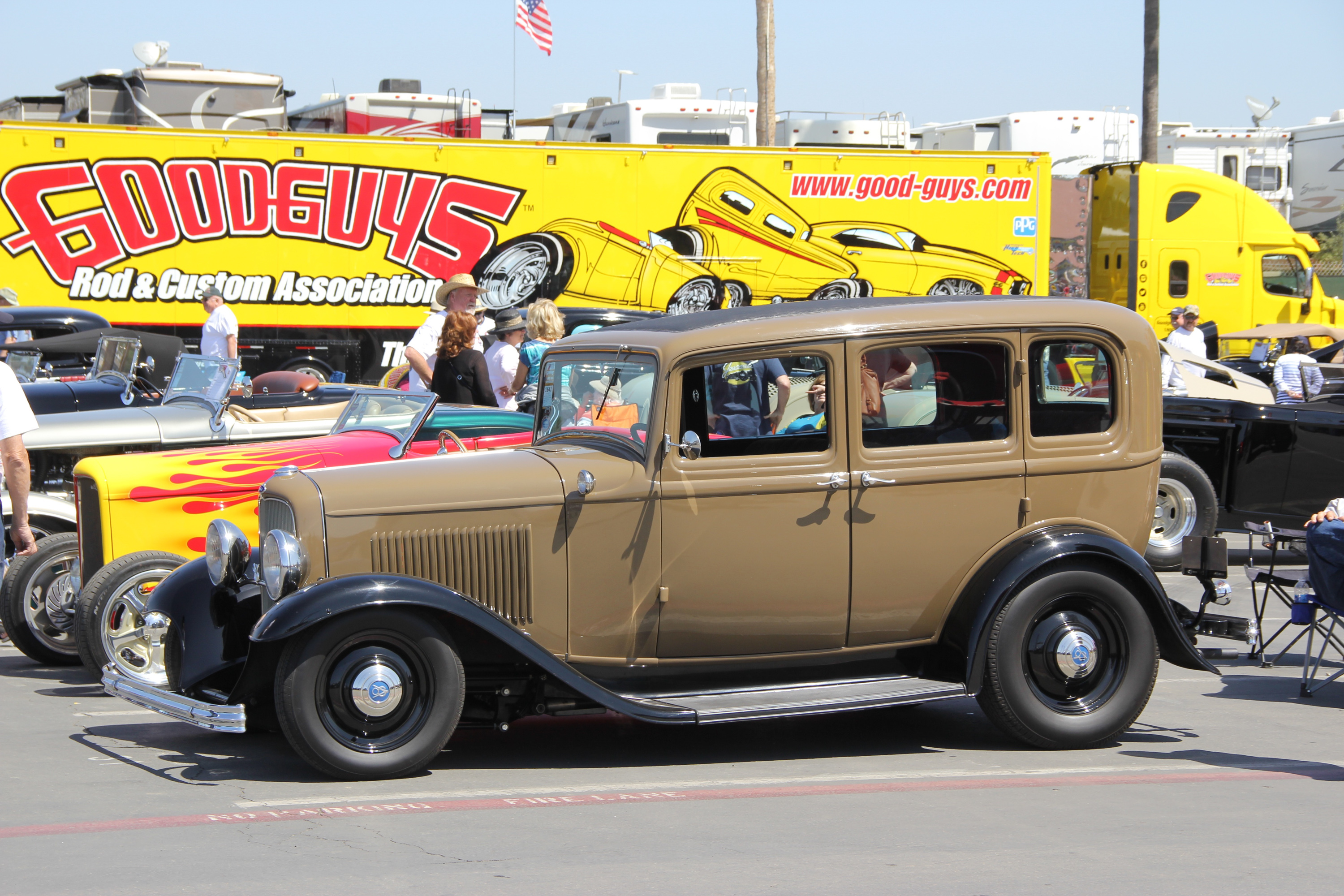 brown 1932 Ford Deuce coupe hot rod
