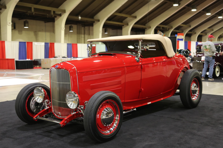 1932 Ford Deuce convertible hot rod