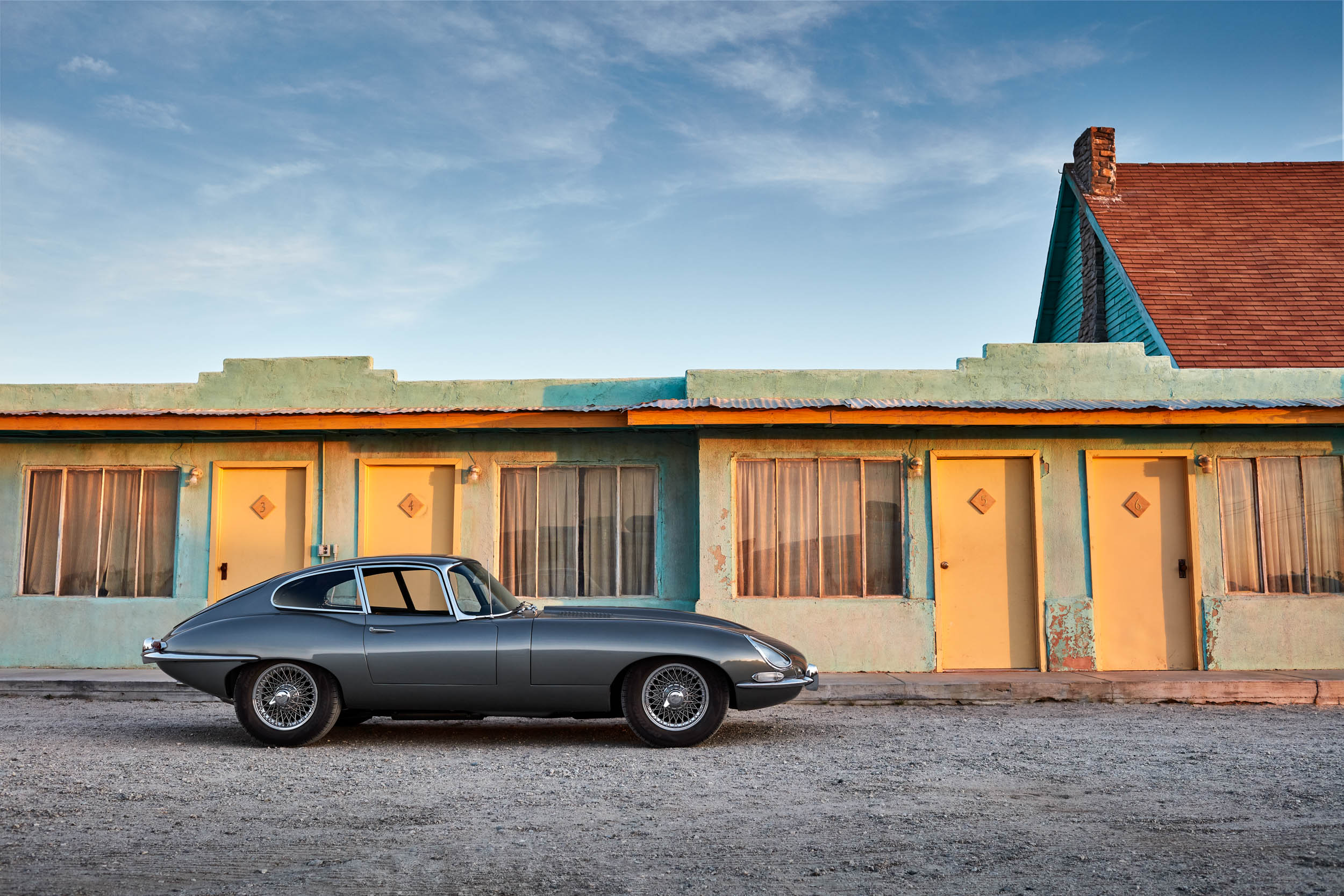 1967 Jaguar E-type profile