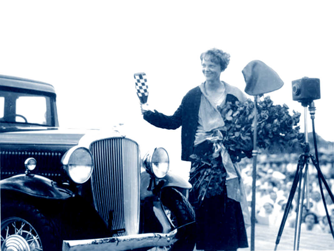 launch of the 1932 Hudson Essex Terraplane with Amelia Earhart