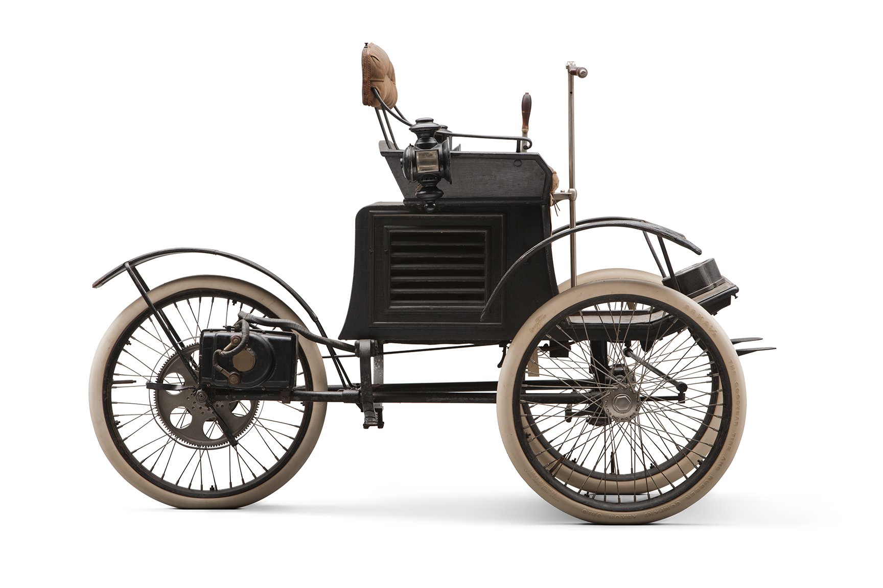 1896 Riker Electric Runabout profile