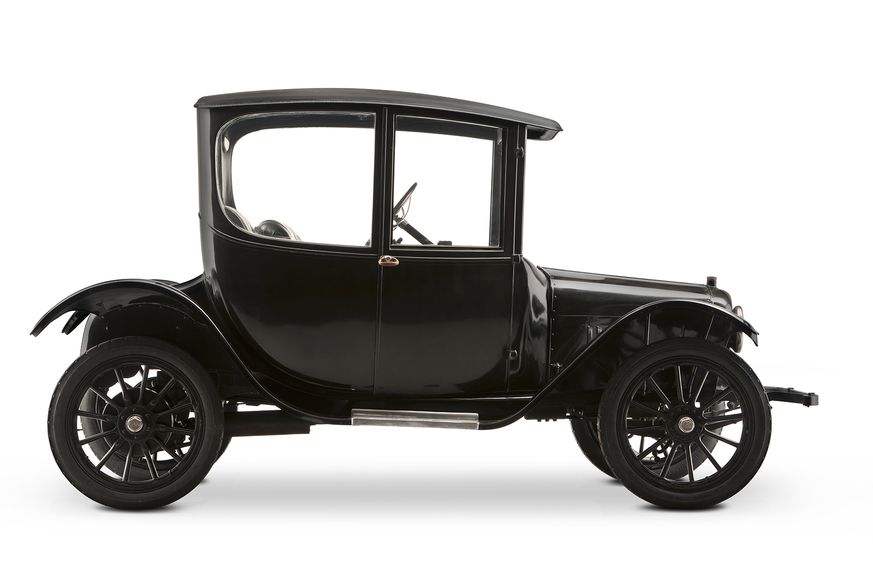 1916 Woods Dual-Power Hybrid Coupe profile