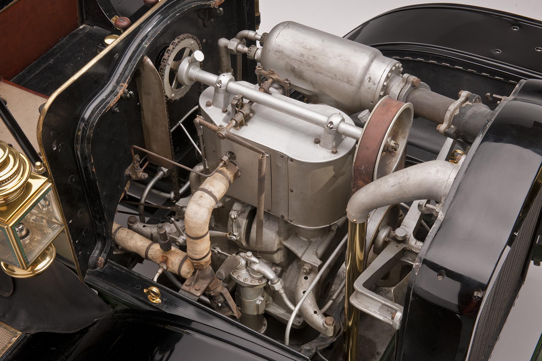1907 White Model G Touring Car steam engine