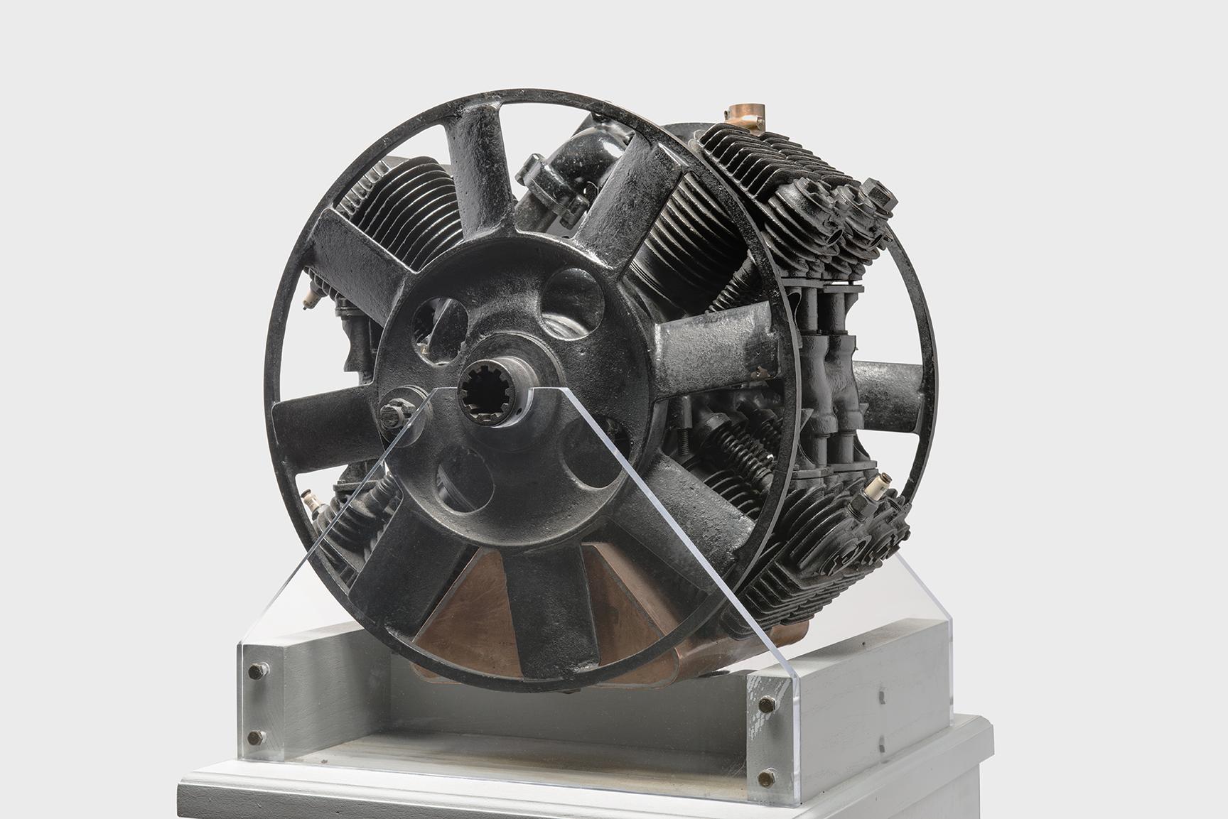 1925 Ford X-8 Engine