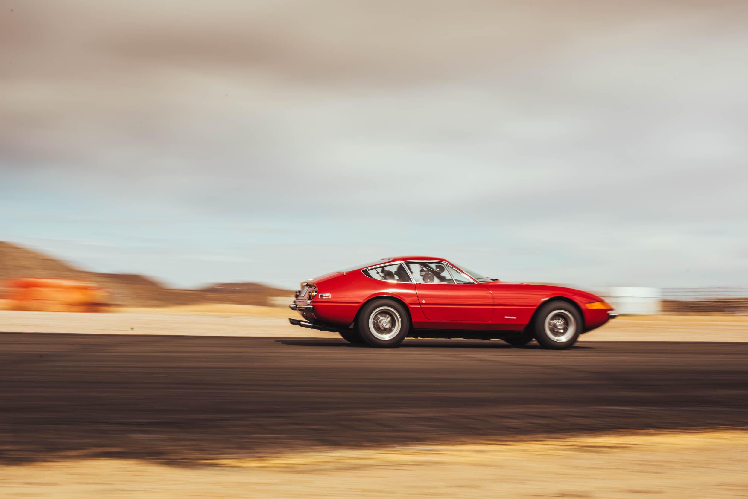 1971 Ferrari Daytona 365 GTB/4 profile