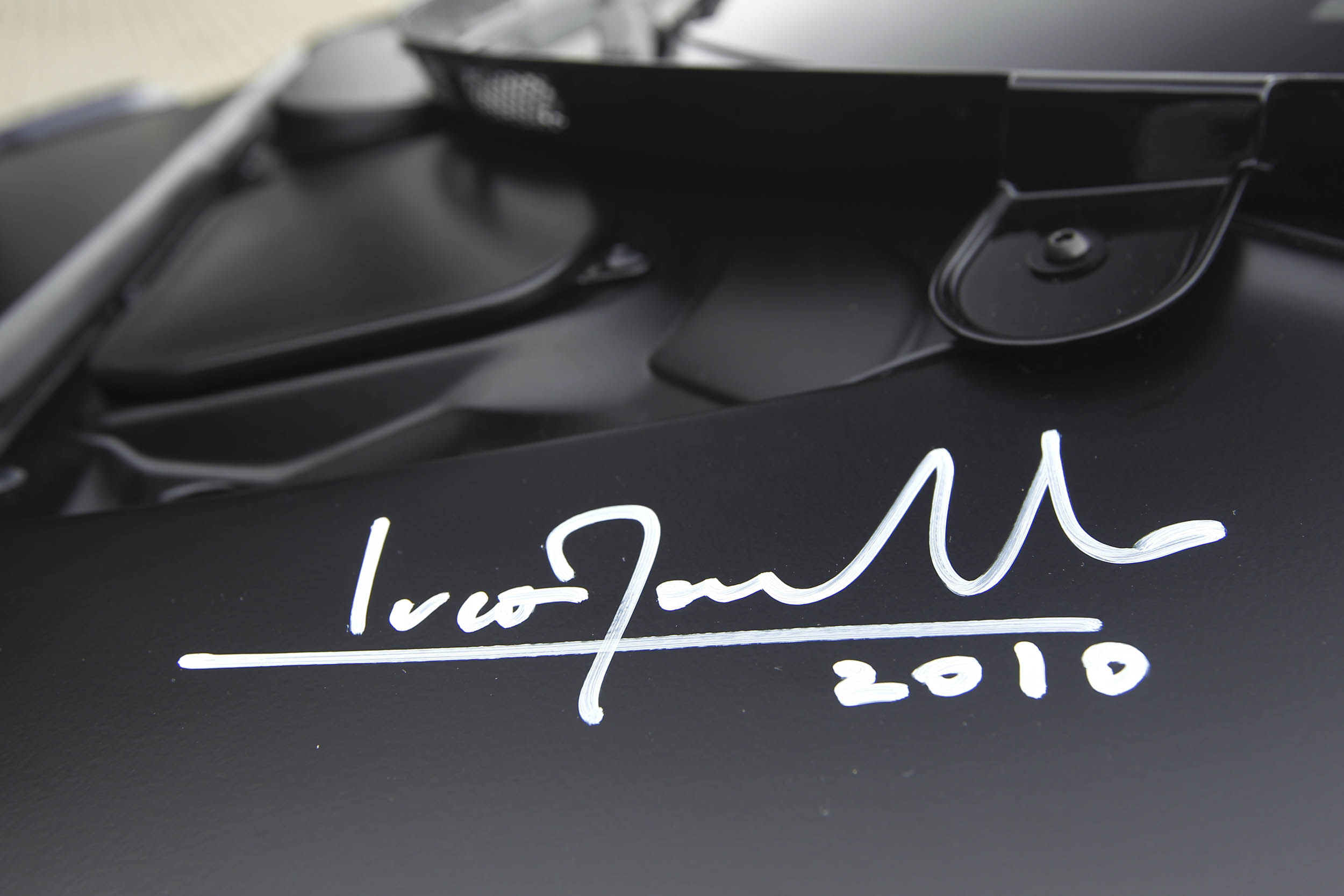 signature on the New Stratos