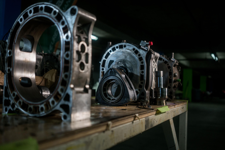 Mazda rotary engine deconstructed