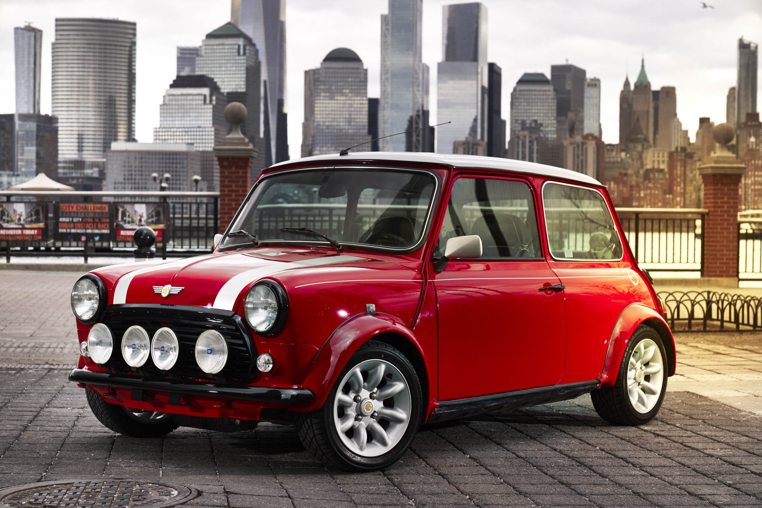 electric classic Mini front 3/4