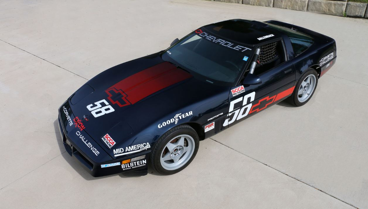 Robin Dallenbach was one of two women to compete in the Corvette Challenge. Hers (#58) was one of three dark blue Challenge cars to race; most were red or white.