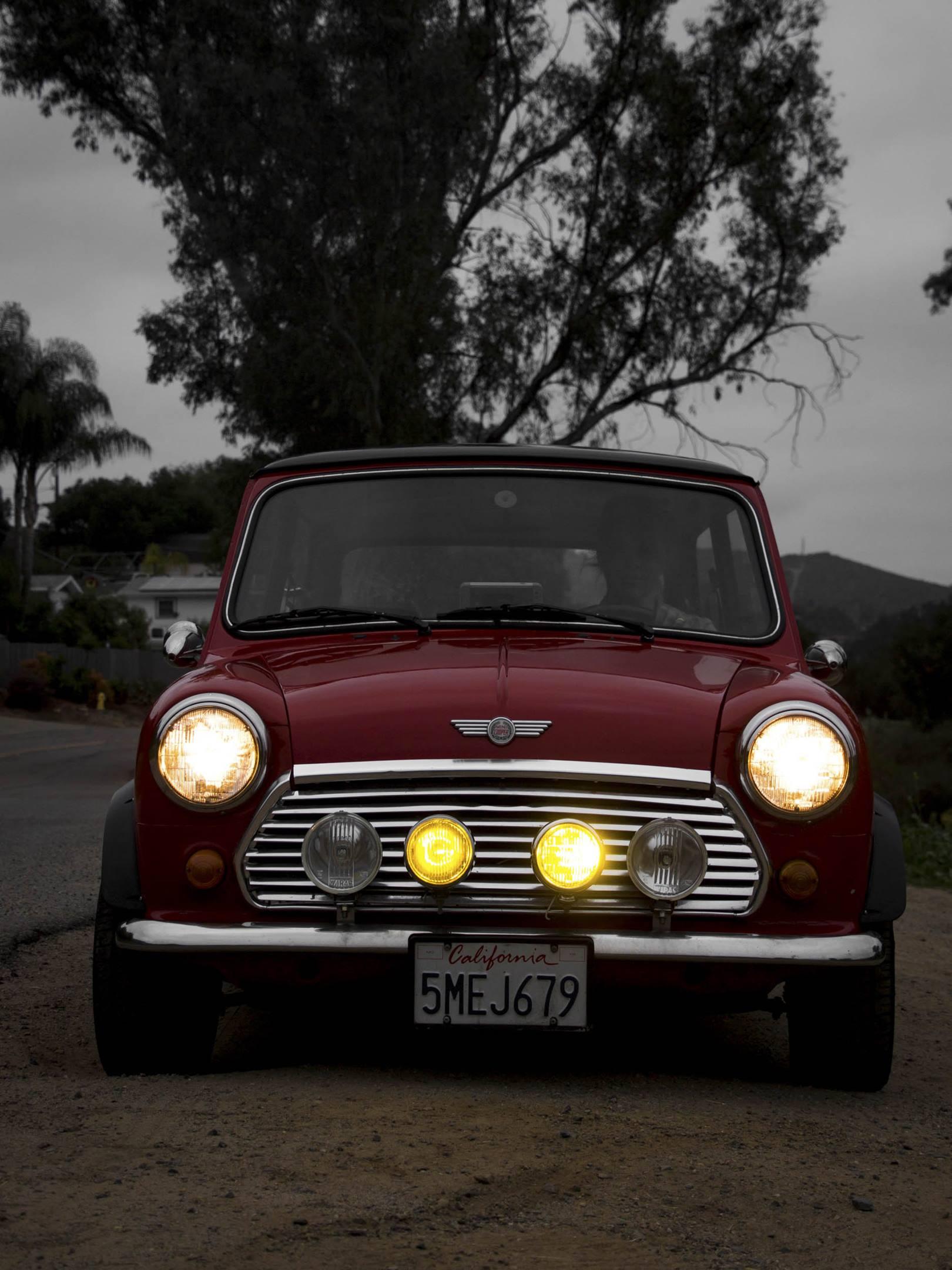 1973 Mini Cooper lights on