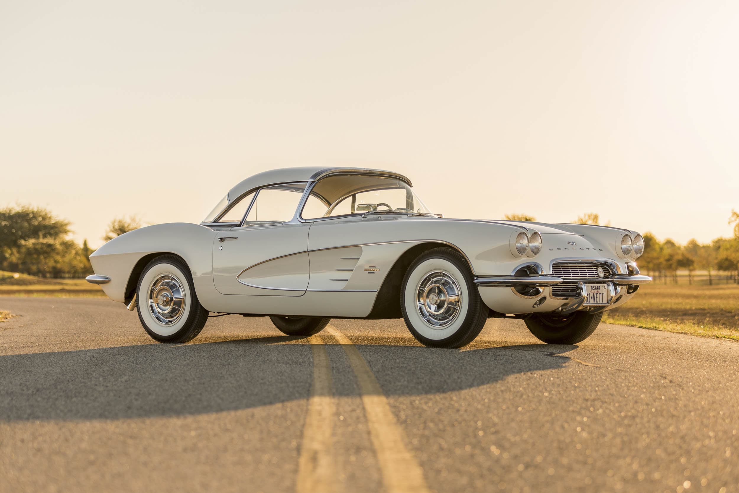 1961 Chevrolet Corvette front 3/4
