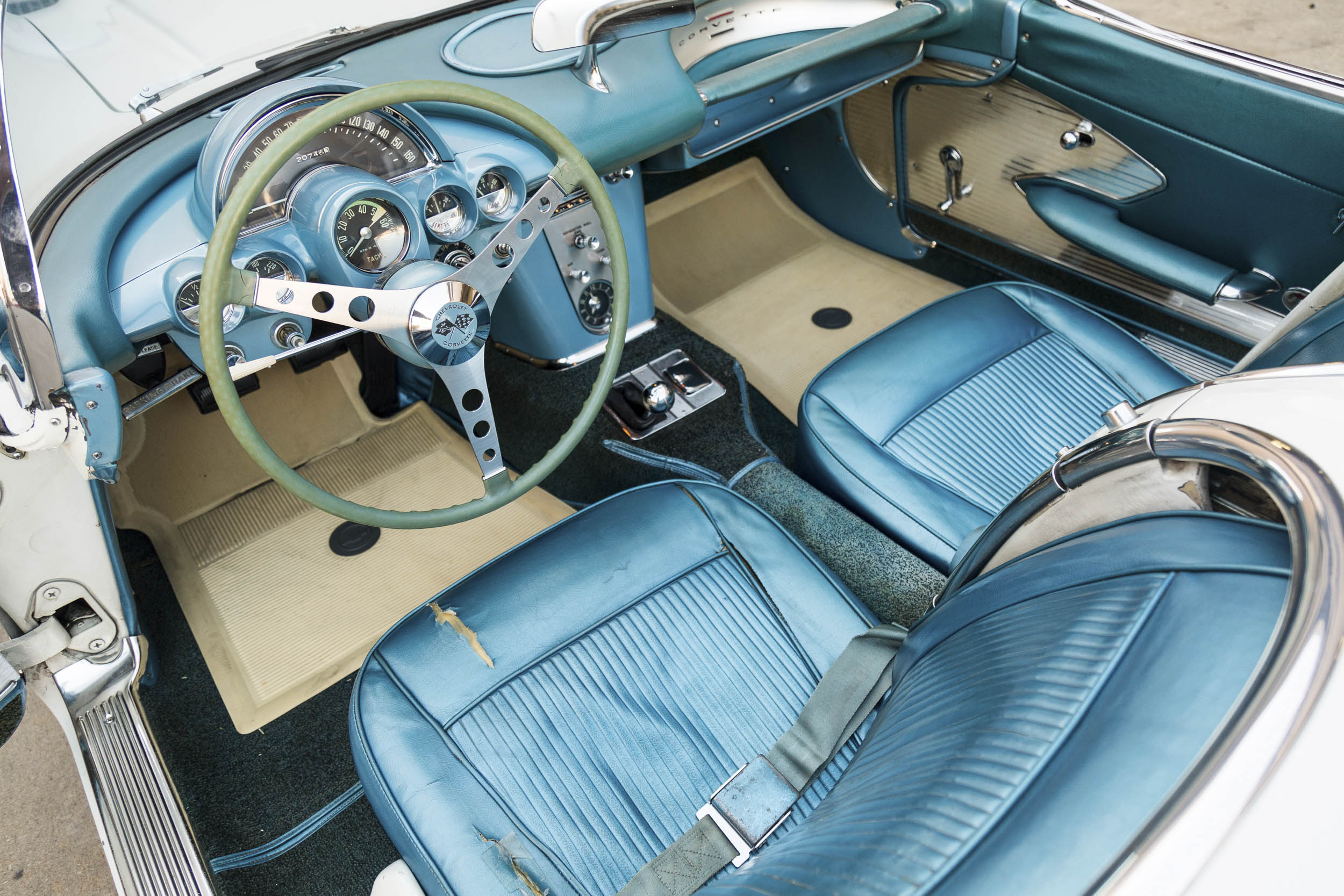 1961 Chevrolet Corvette interior