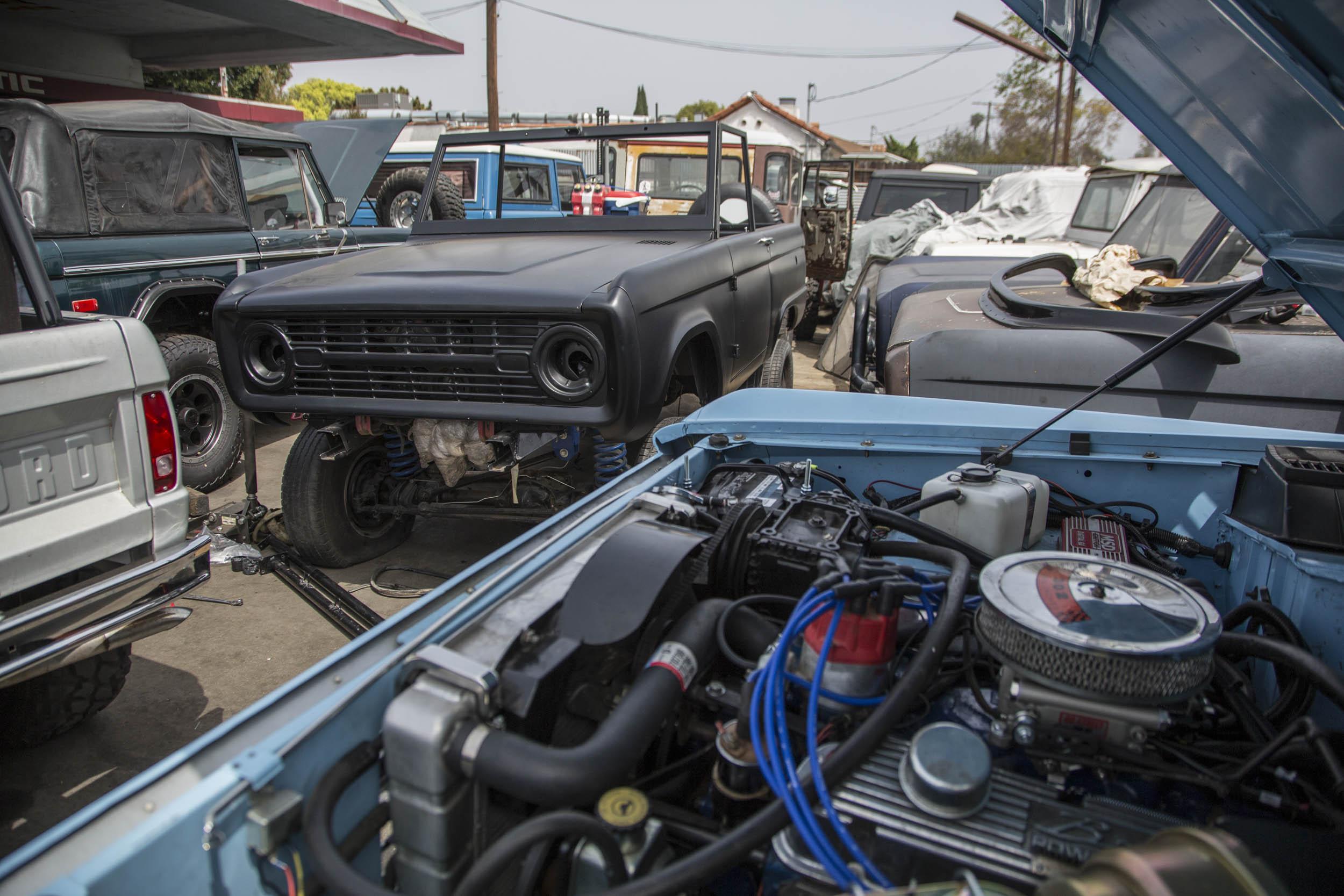 ASC Auto Ford Bronco engine