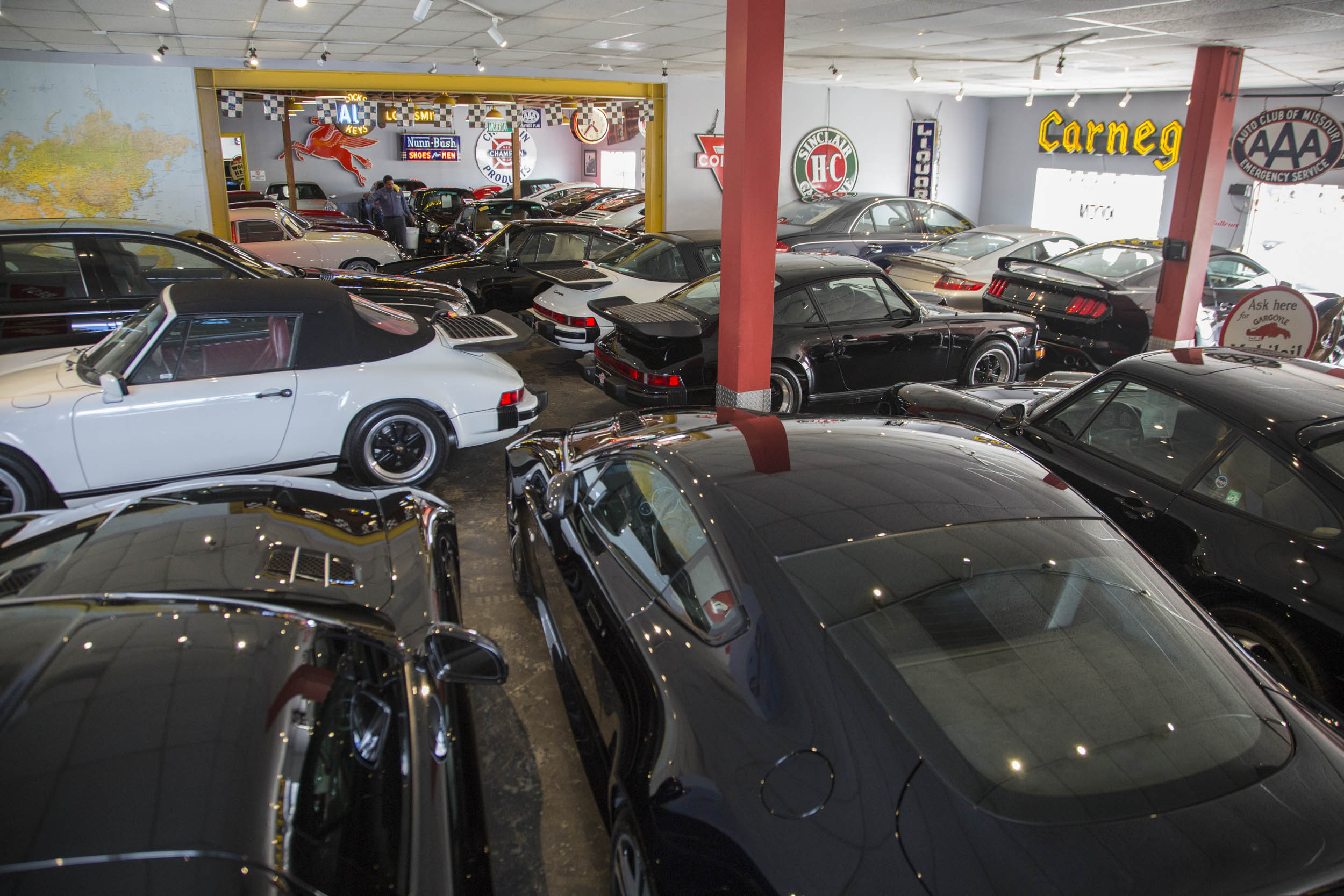 Porsches for sale at Chequered Flag