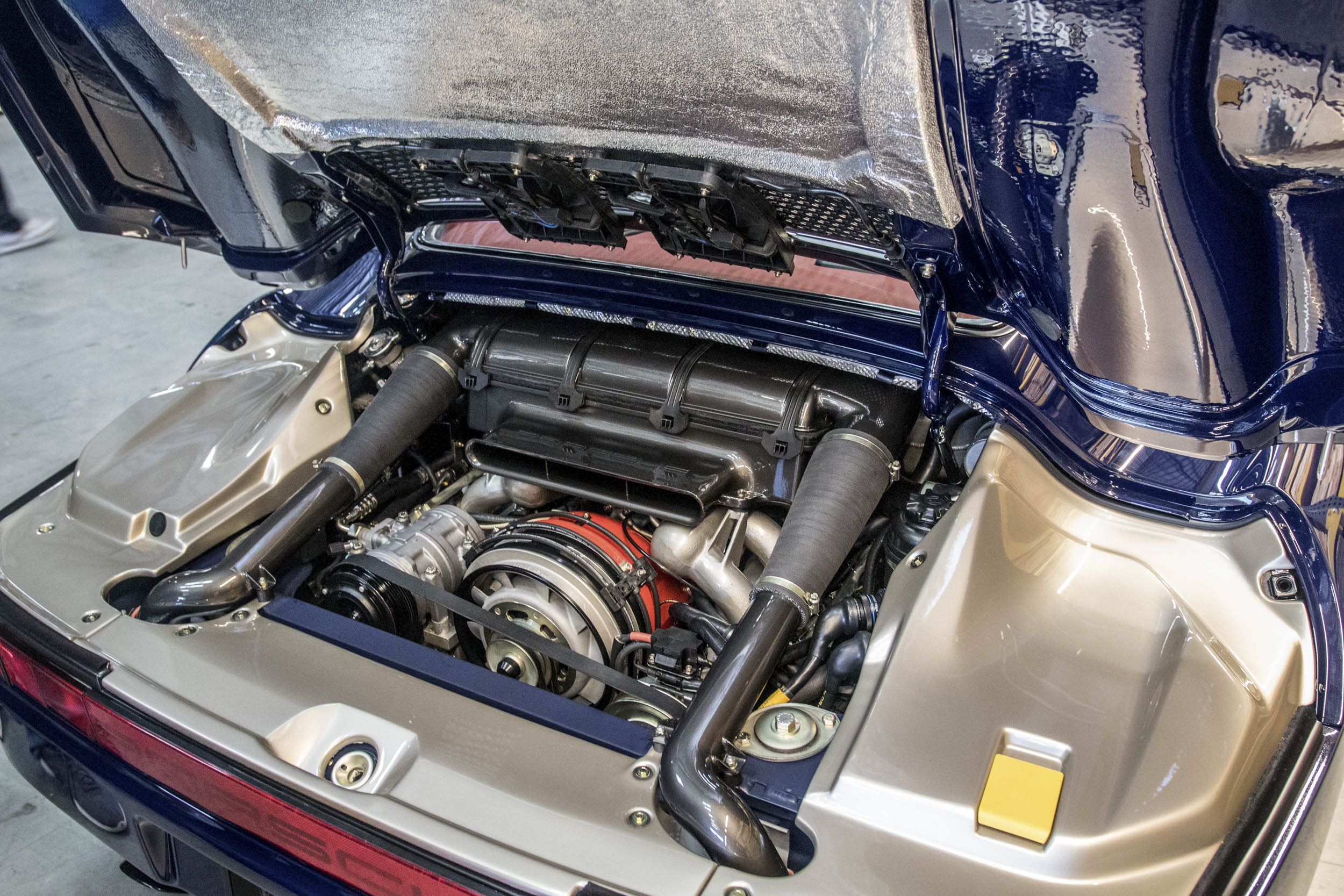 Porsche engine at Luftgekühlt