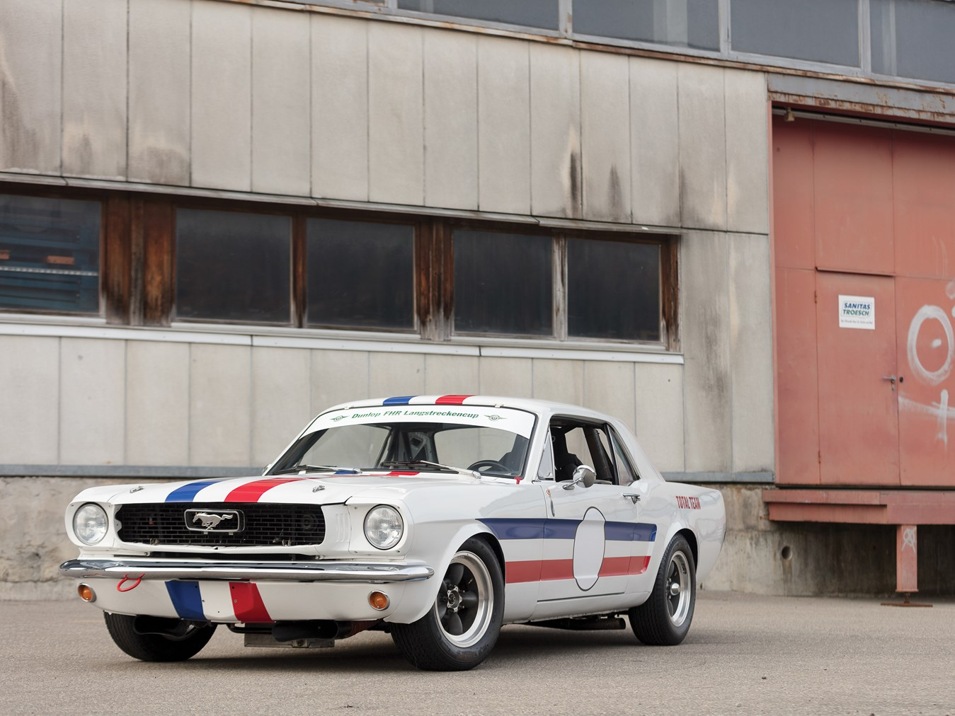 1966 Ford Mustang 289 Coupé FIA front 3/4