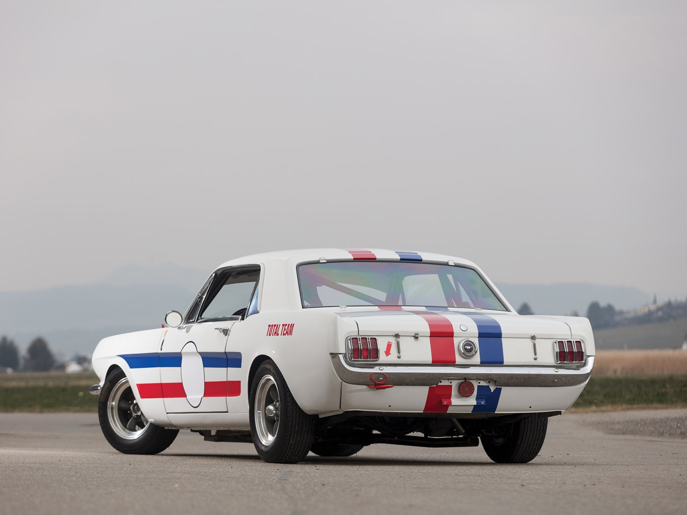 1966 Ford Mustang 289 Coupé FIA rear 3/4