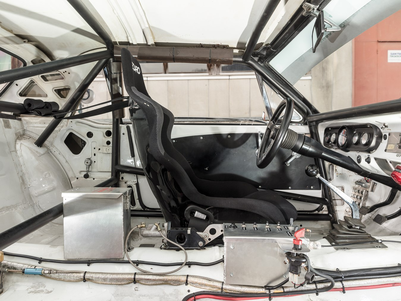 1966 Ford Mustang 289 Coupé FIA interior