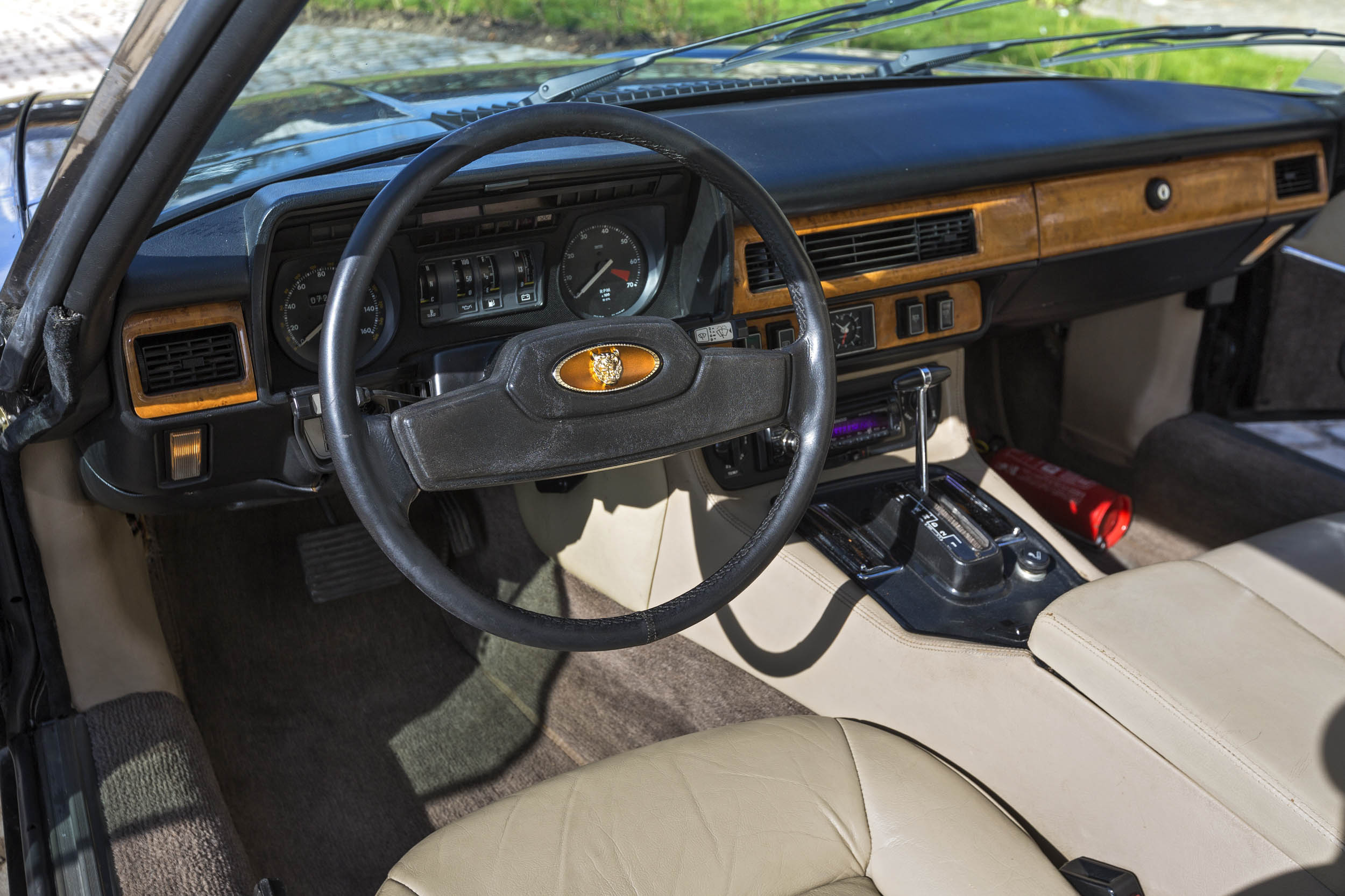 1984 Jaguar XJ-S steering wheel