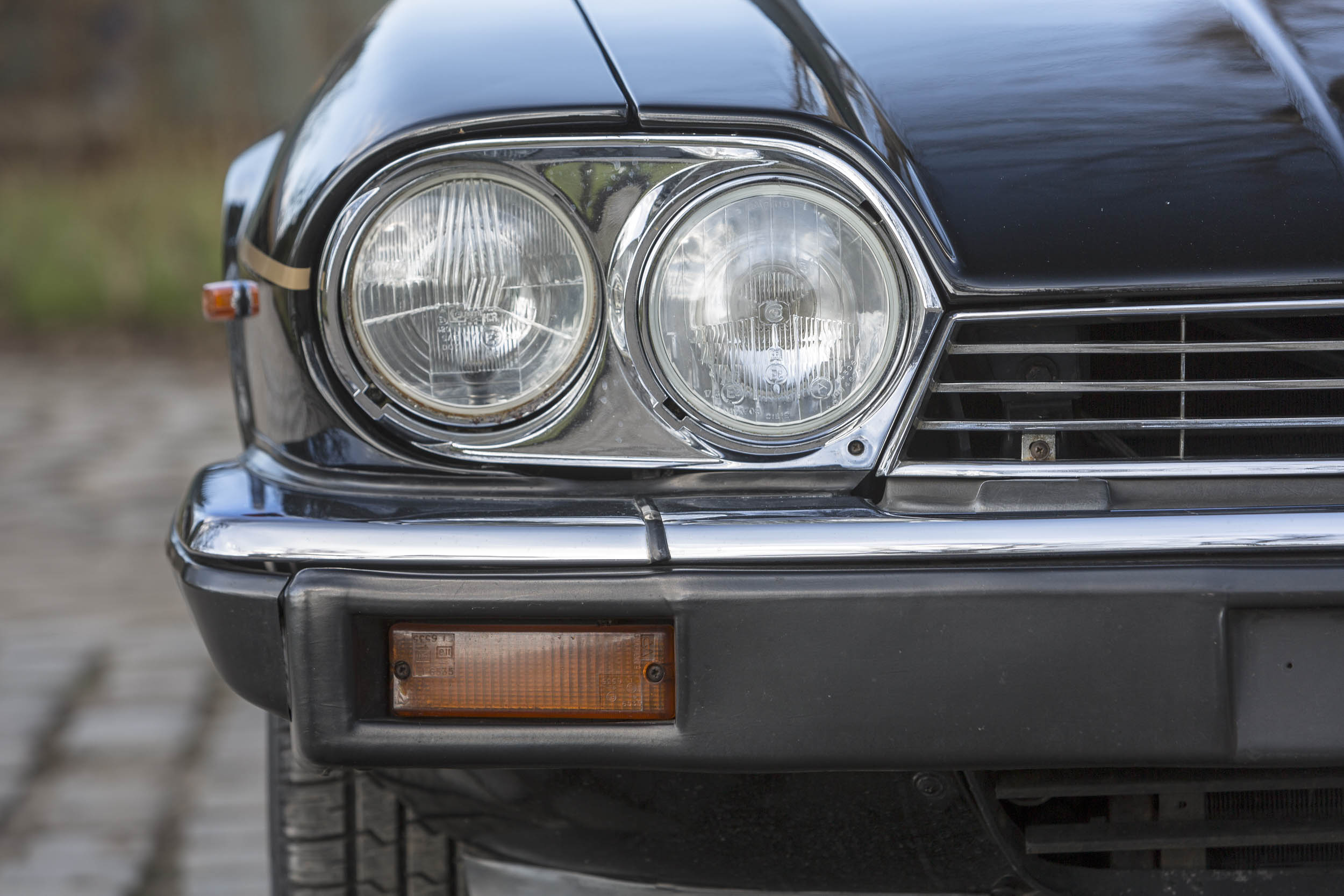 1984 Jaguar XJ-S headlight detail