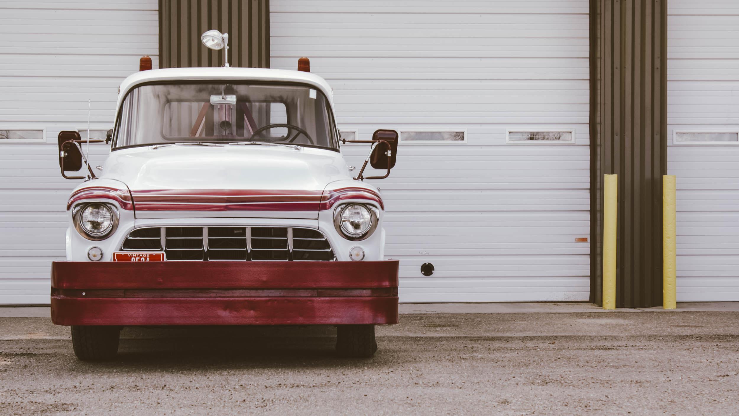 1955 Chevrolet Wrecker Front