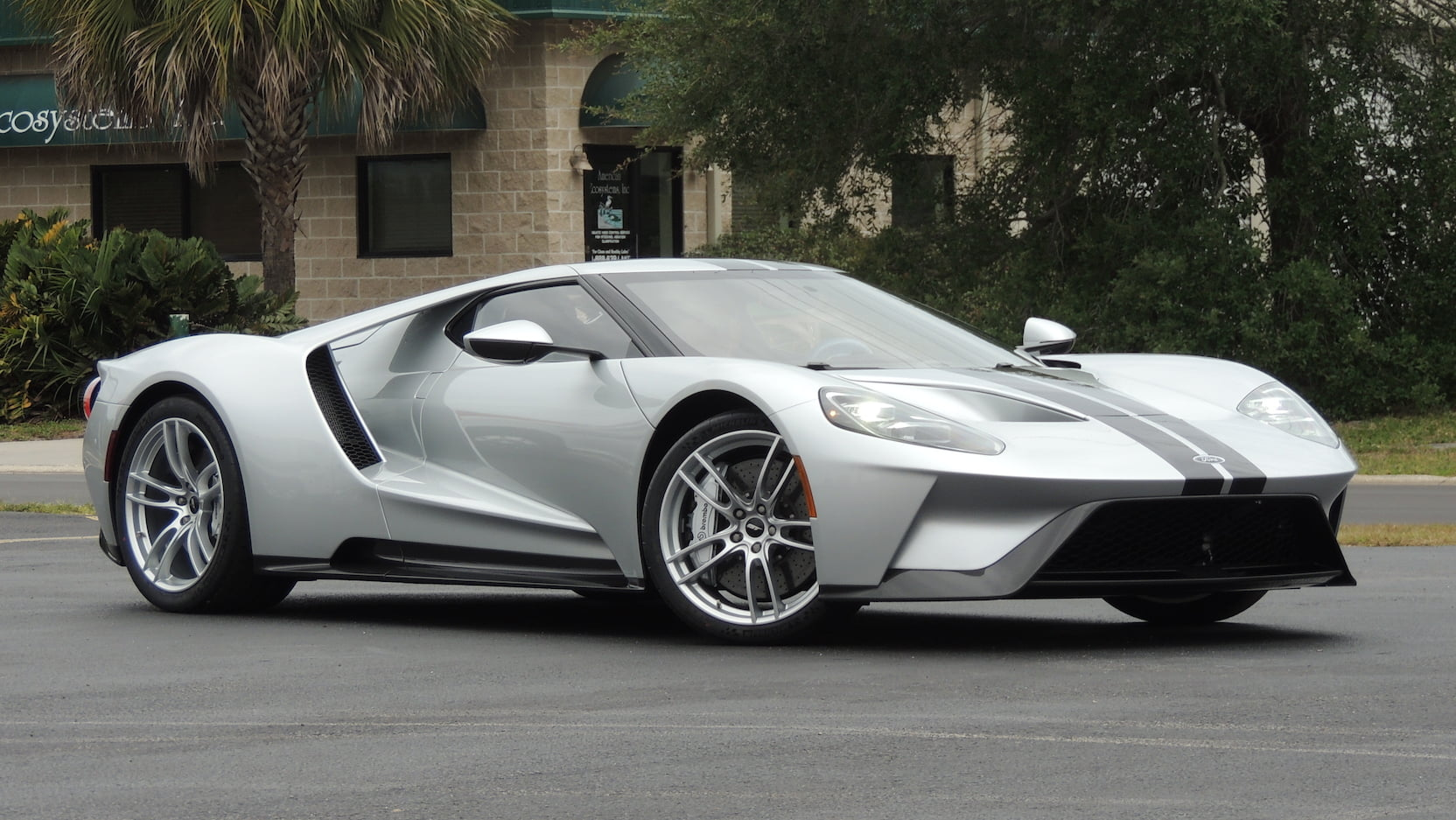 2017 Ford GT front 3/4