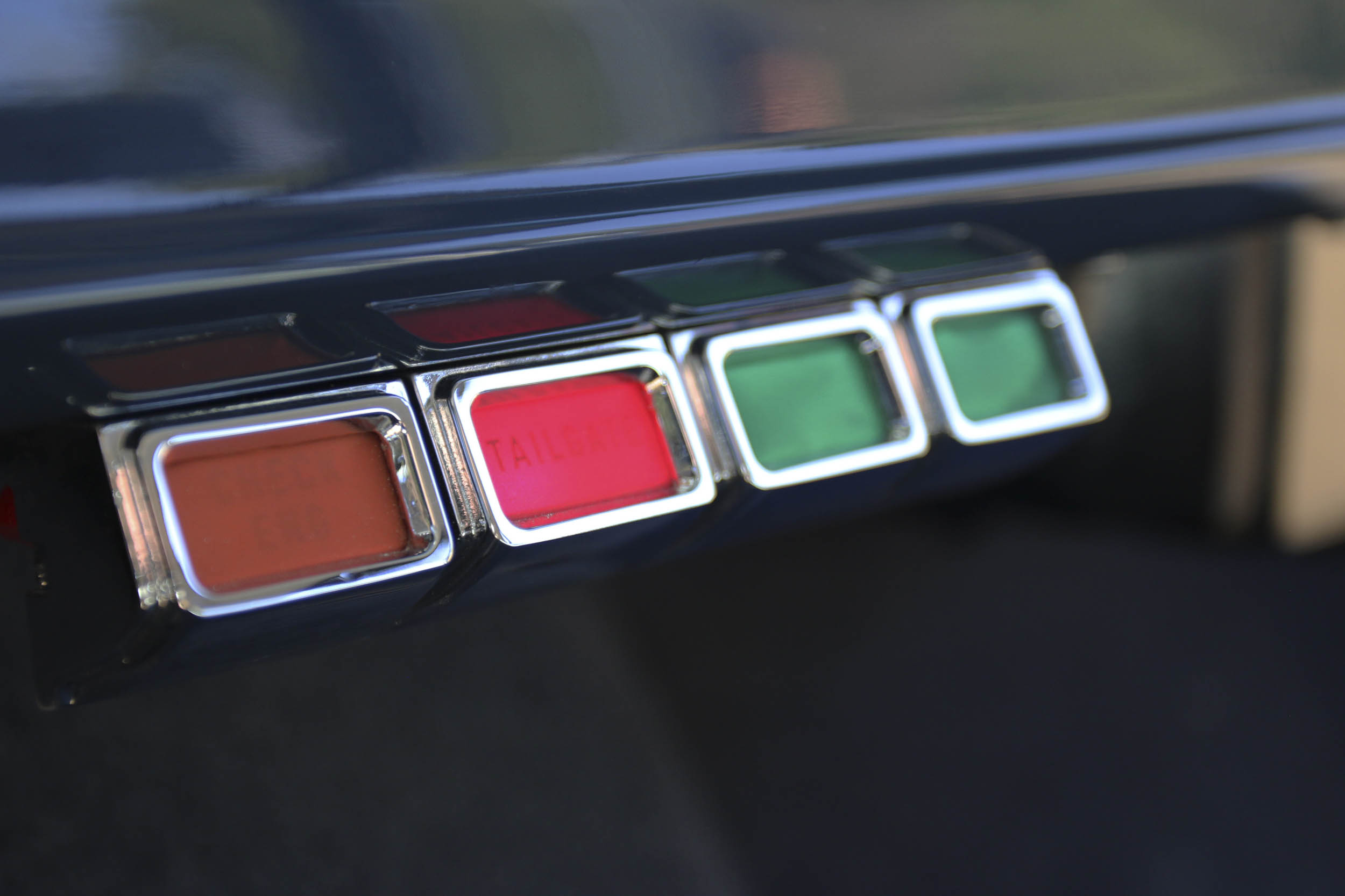 ICON Wagoneer dashboard idiot lights