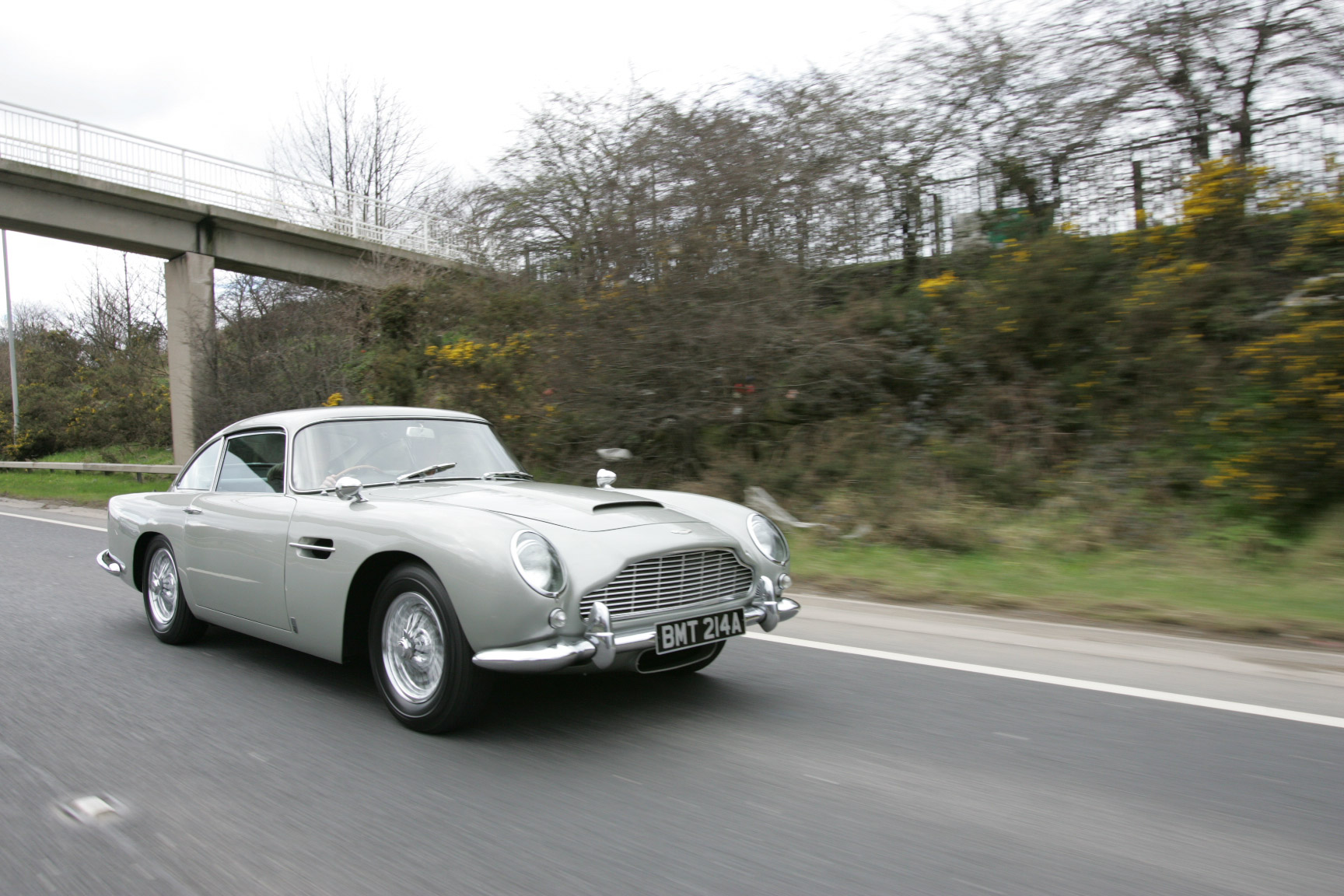 1965 Aston Martin DB5 Rolling Highway 3/4