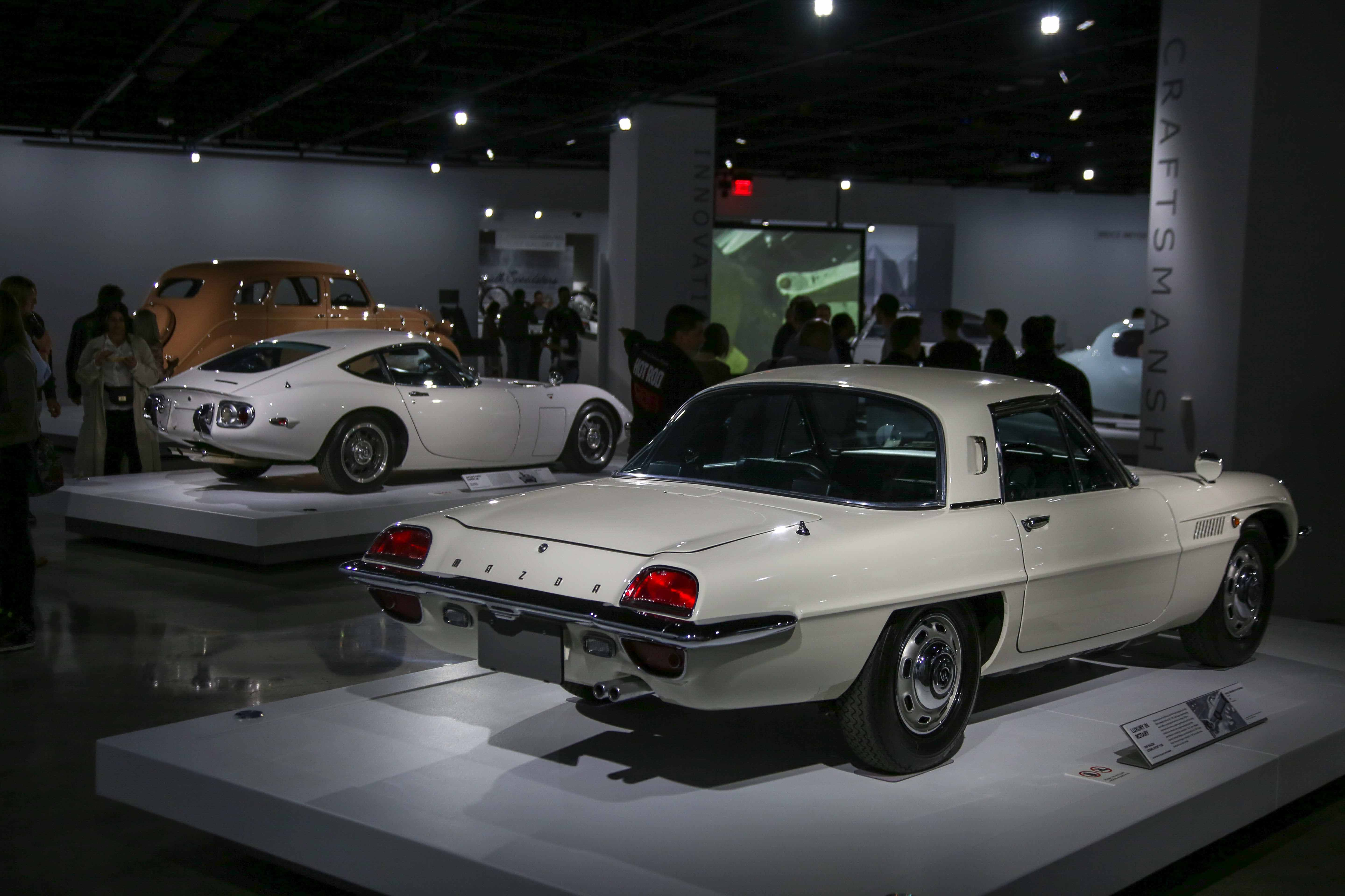 Mazda Cosmo and Toyota 2000GT