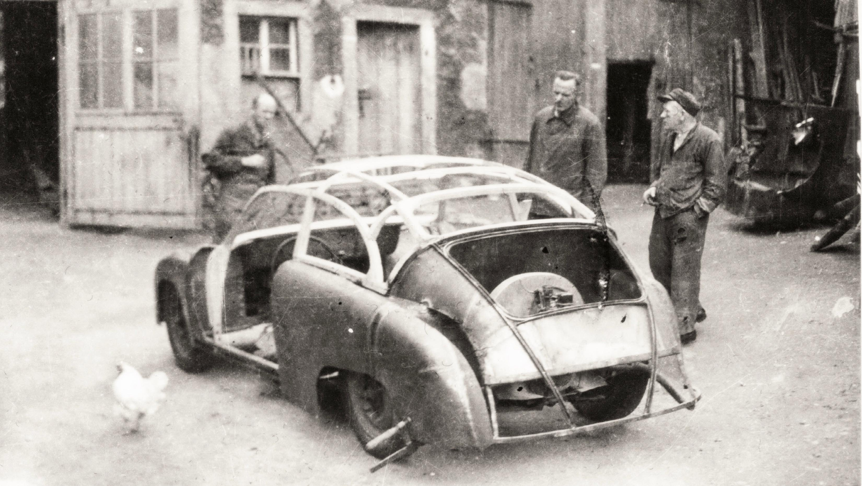 The first GDR Porsche under assembly in the courtyard of the Lindner body makers