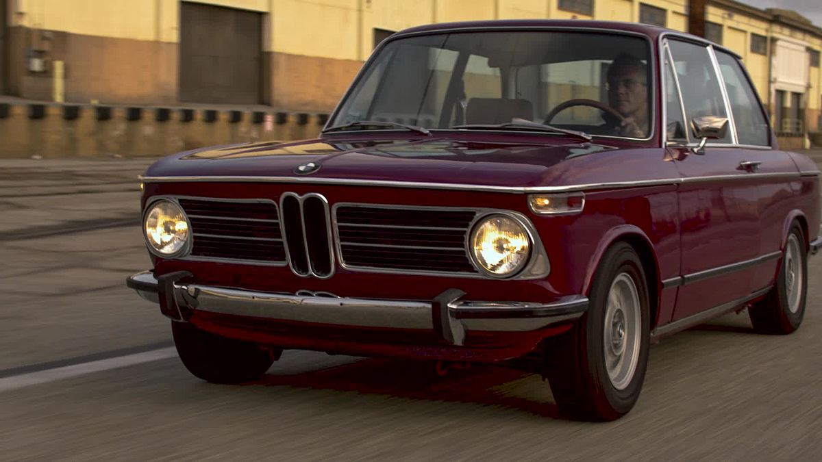BMW 2003 front 3/4 lights on