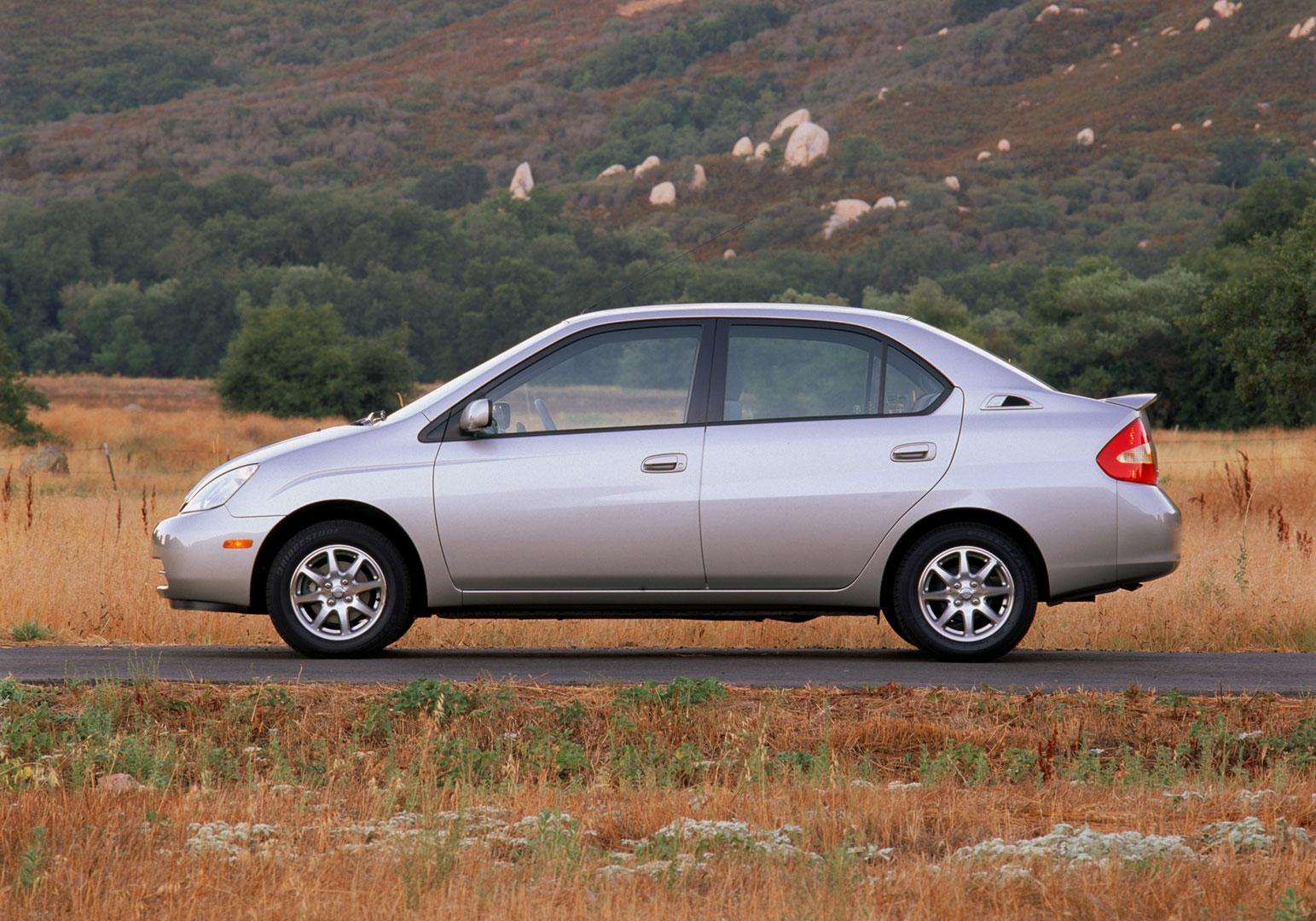 2003 Toyota Prius profile