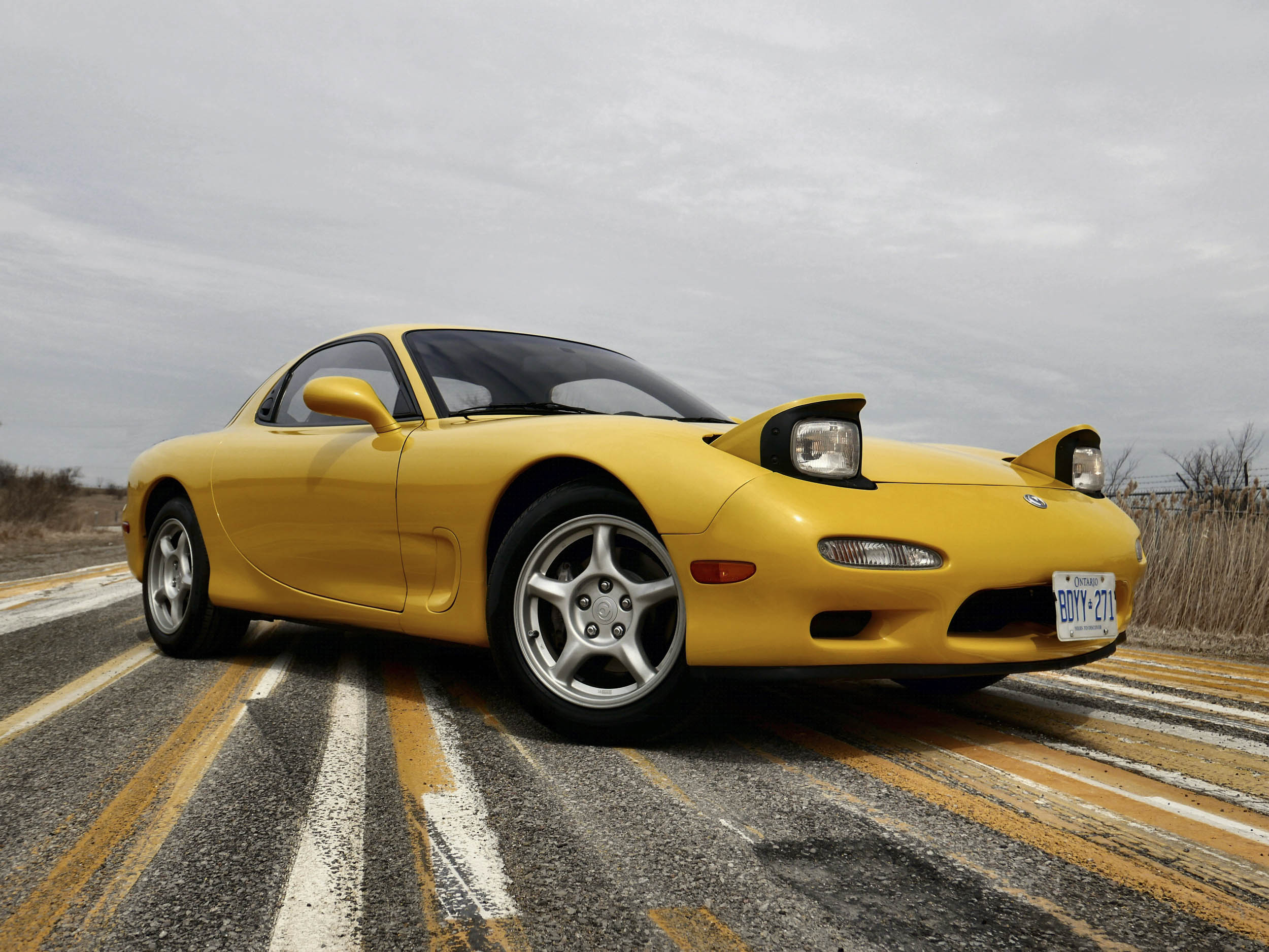 1993 Mazda RX-7 curvy lines