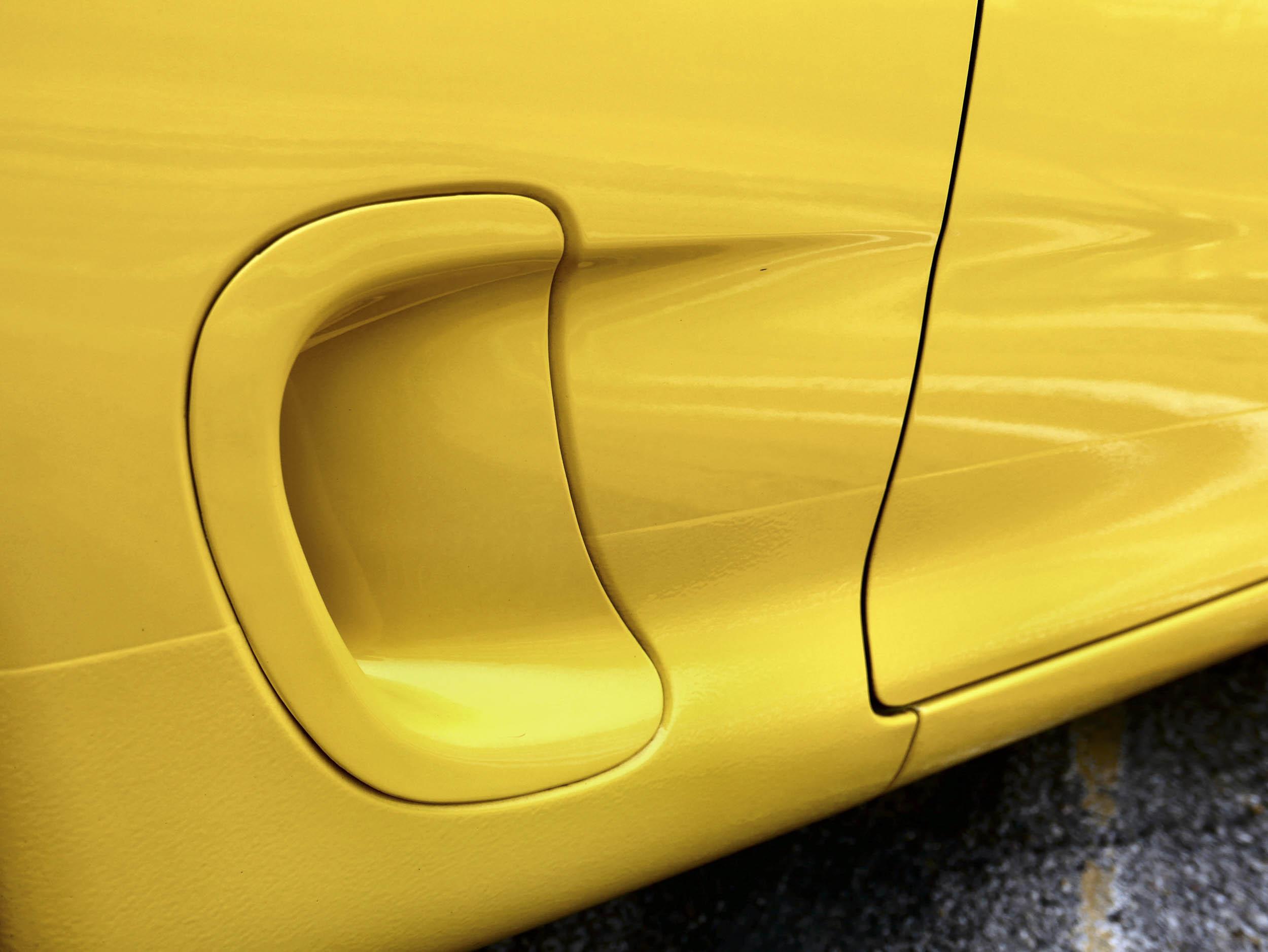 Mazda RX-7 side vent detail