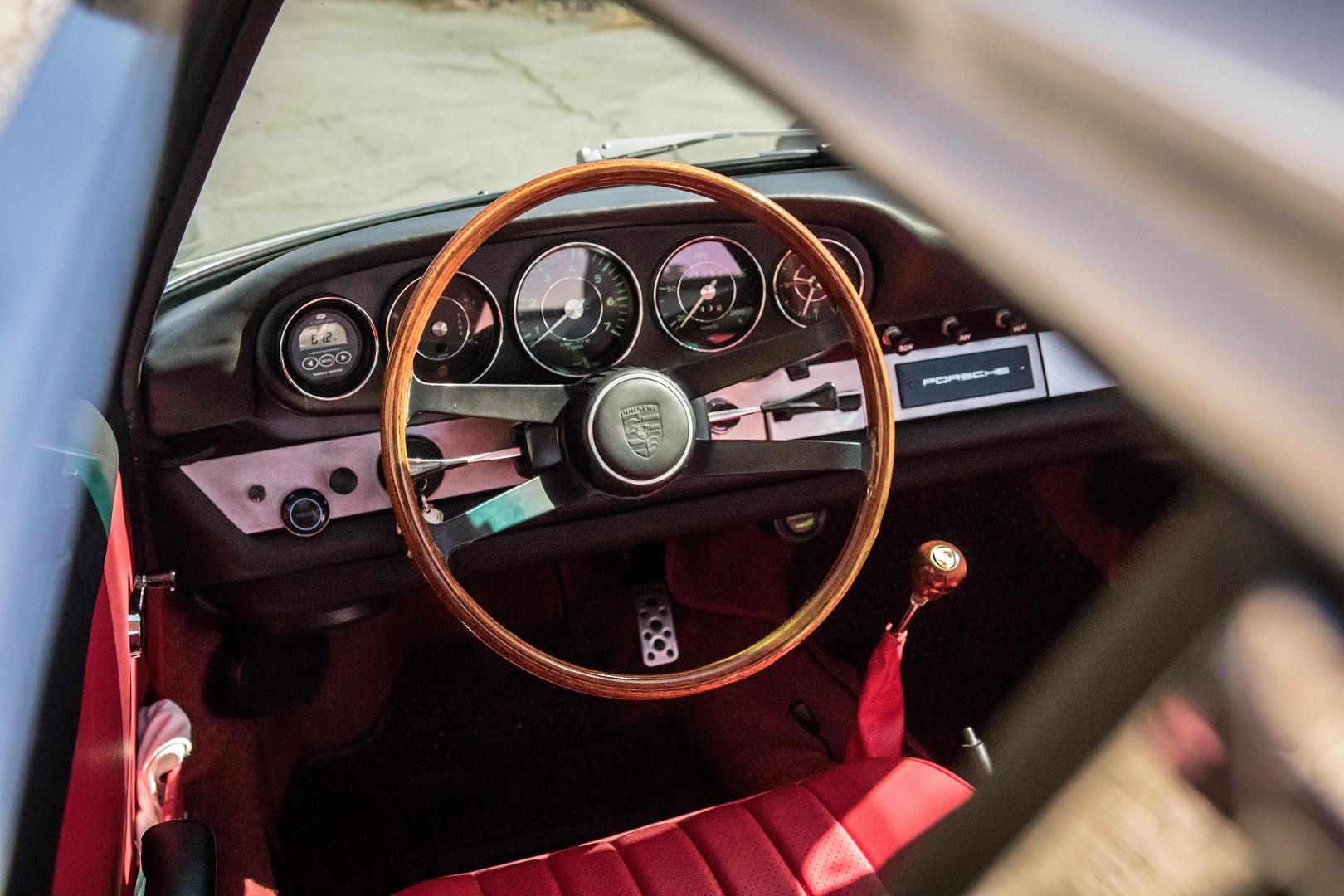 Electric porsche 912 Steering wheel