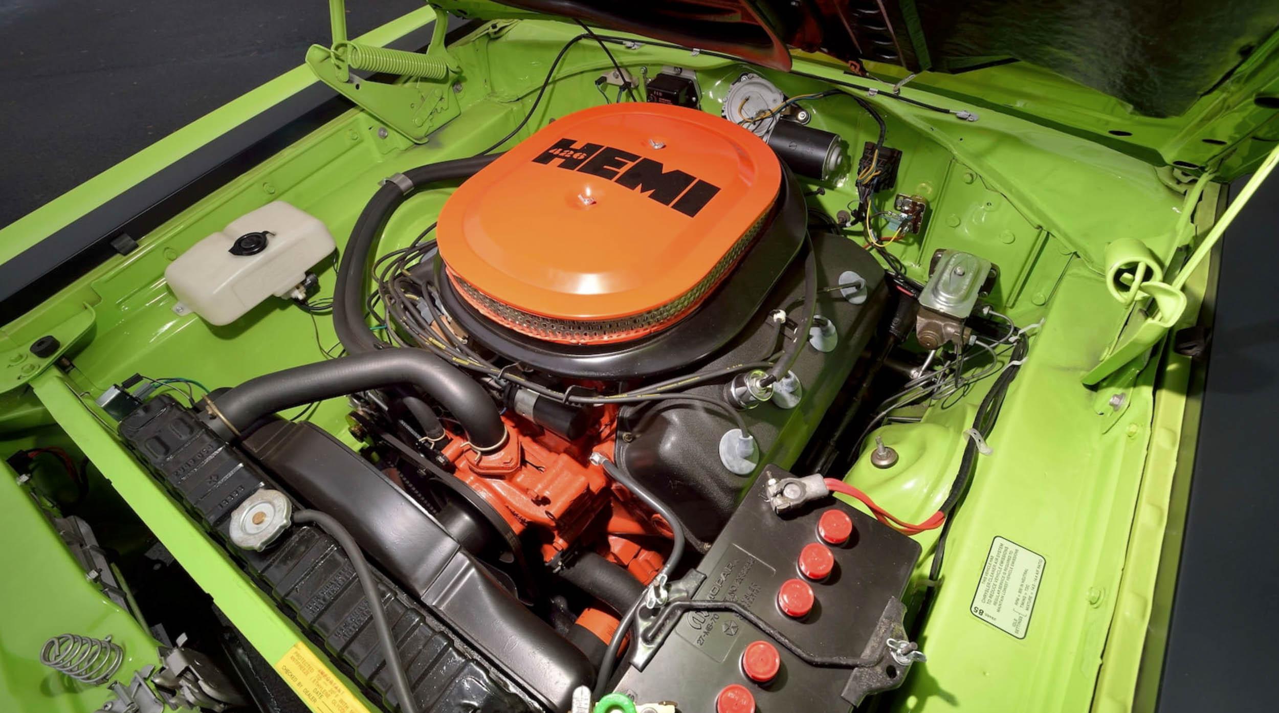 1970 Plymouth GTX 426 Hemi engine