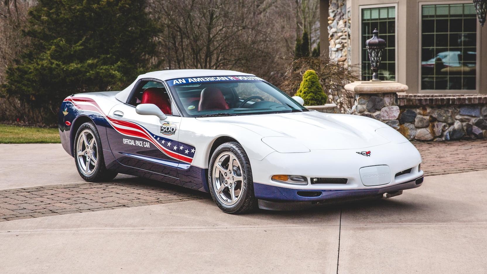 2004 Chevrolet Corvette Pace Car Version 1