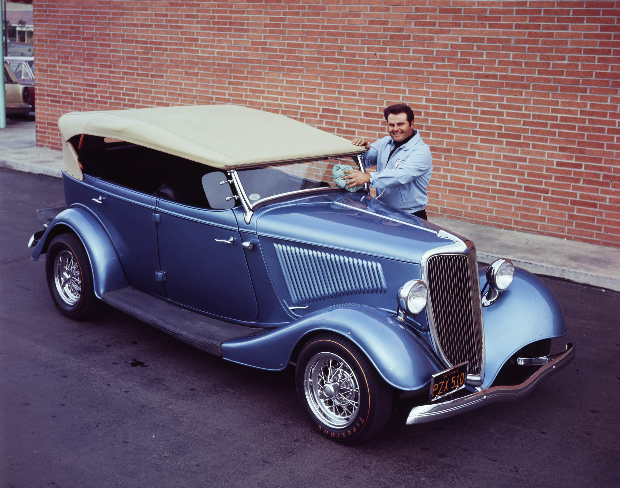 Olds-powered 1934 Ford phaeton