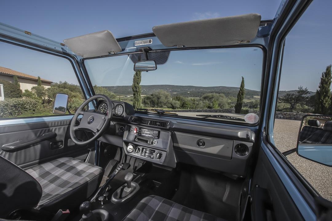Mercedes-Benz G-wagen interior